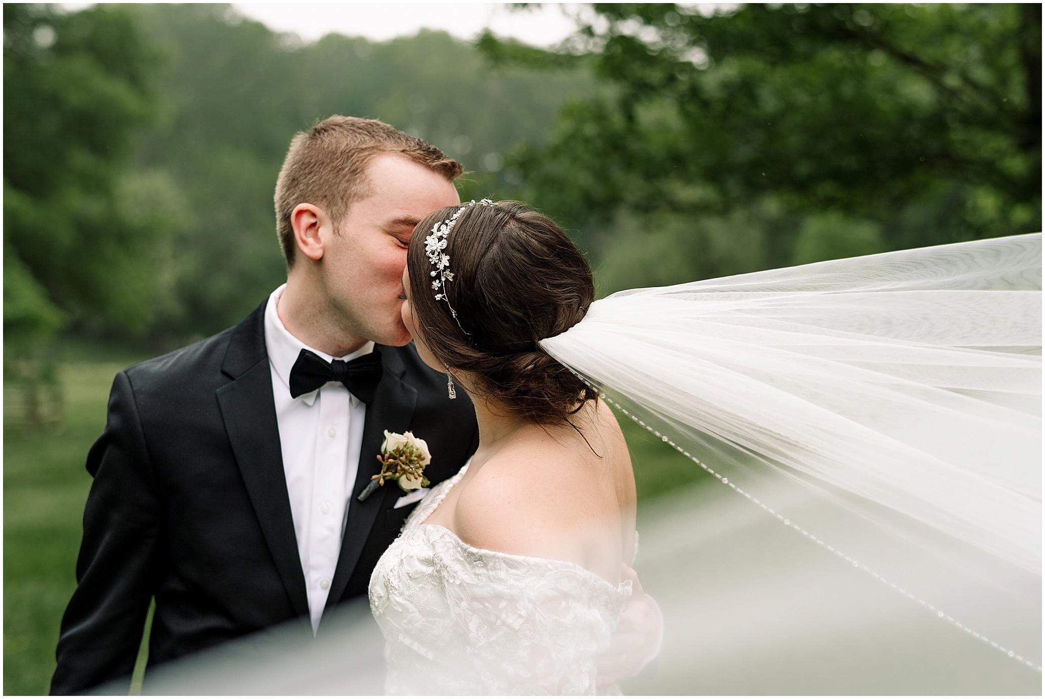 Hannah Leigh Photography The Barns at Wolf Trap Wedding Washington DC_7919.jpg