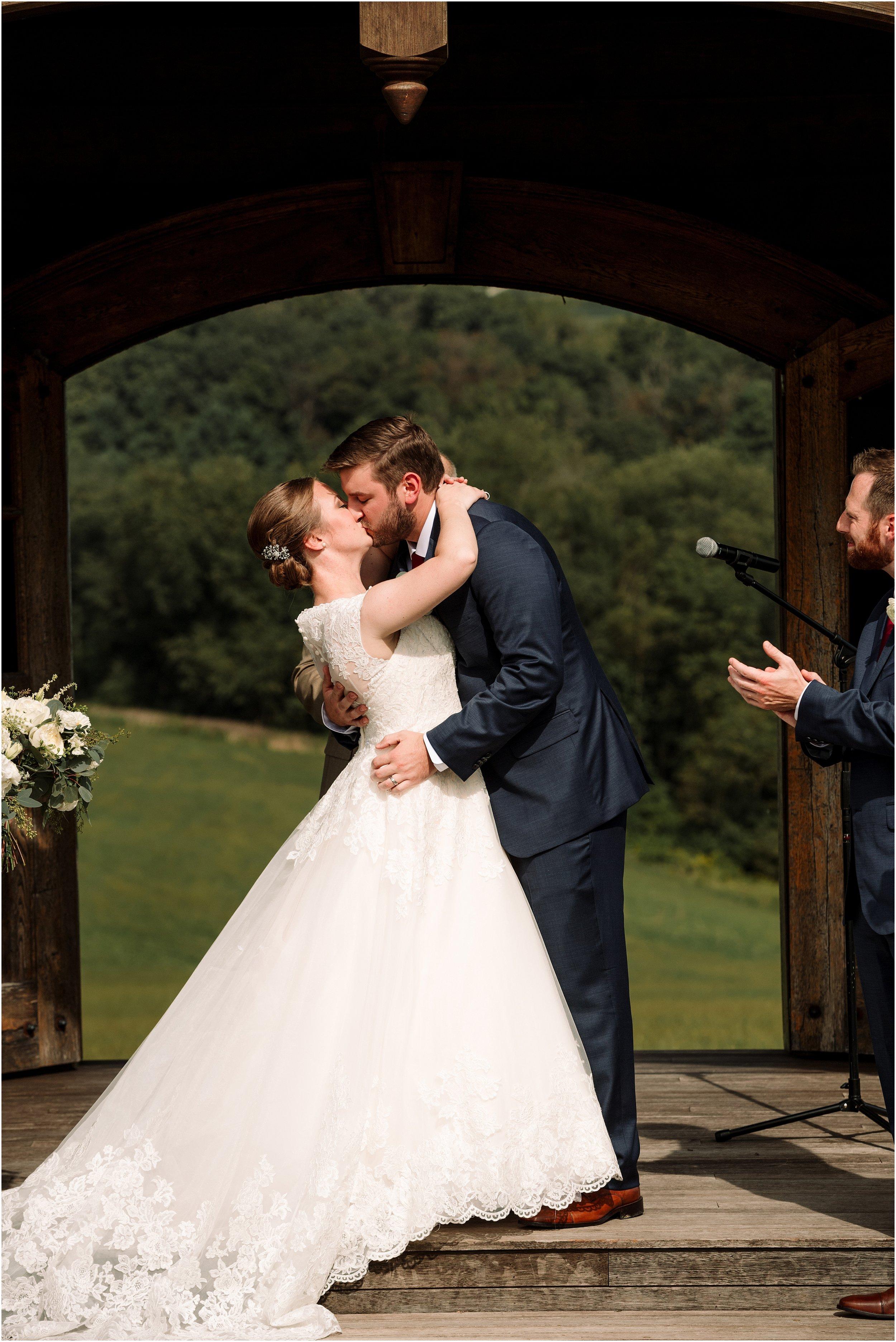 hannah leigh photography Wyndridge Farm Wedding York PA_1527.jpg