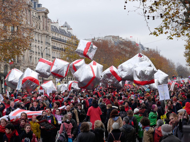 12 December, illegal demonstration, Paris