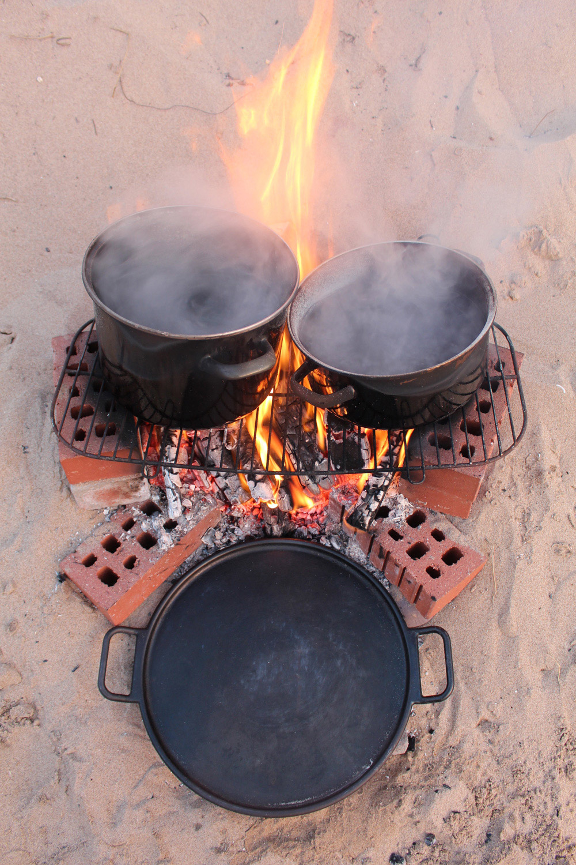 Makeshift boiling station