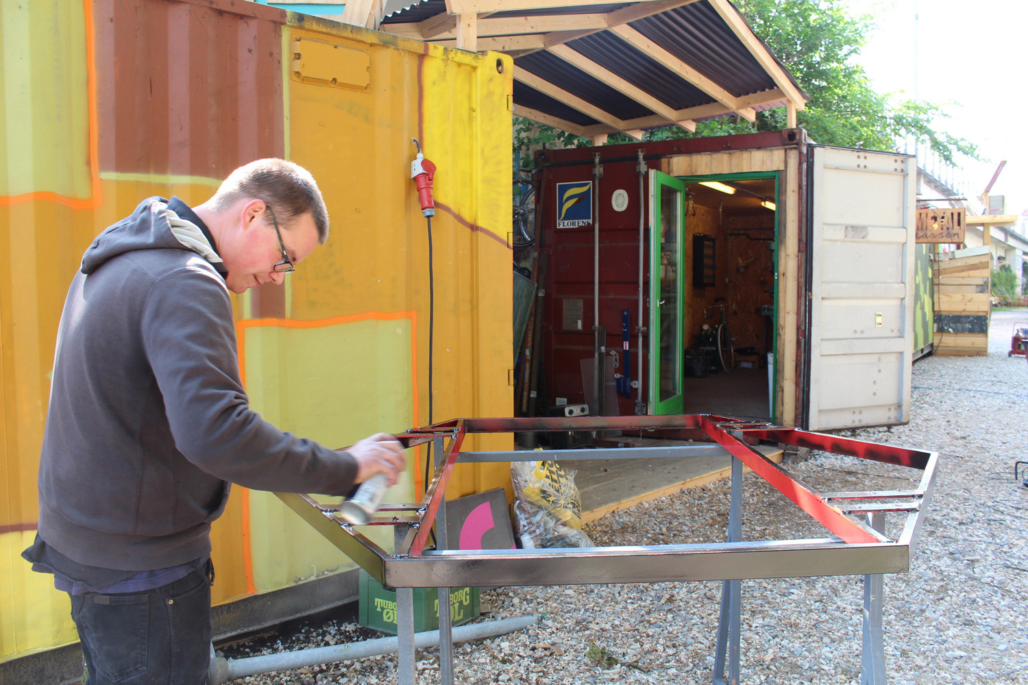 Metal frame fabrication, by Peter Lausten
