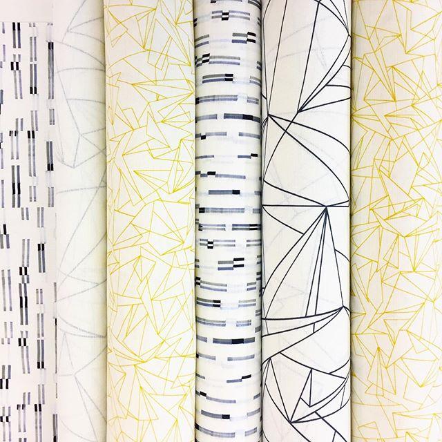Mustard Monochrome Monday 💛⚪️💛⚫️💛⚪️💛⚫️💛 Have a wonderful week ! . . . #mustard #monochrome #flockfabrics #flockstudio #Print #pattern #surfacedesign #colourful #geometric #textiles #fabrics #furnishingfabrics #fabricbythemetre #madeintheuk #artists #designers #graduatedesigners  #interior #interiordesign #interiordecor #interiorstyling #patternyourhome #banthebeige #colourlover #colourhunter #ihavethisthingwithcolour #colourcolorlovers