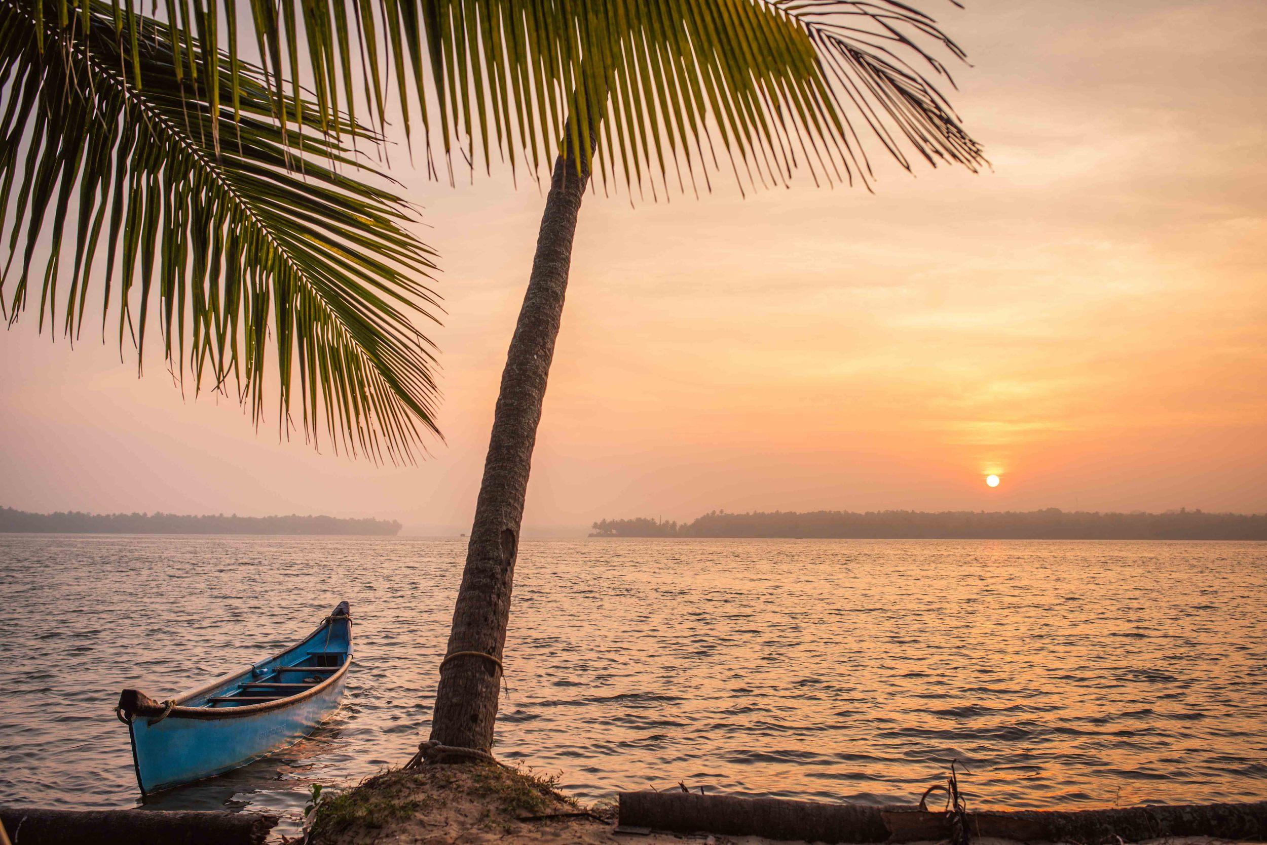 JJfoto-india-canoe.jpg