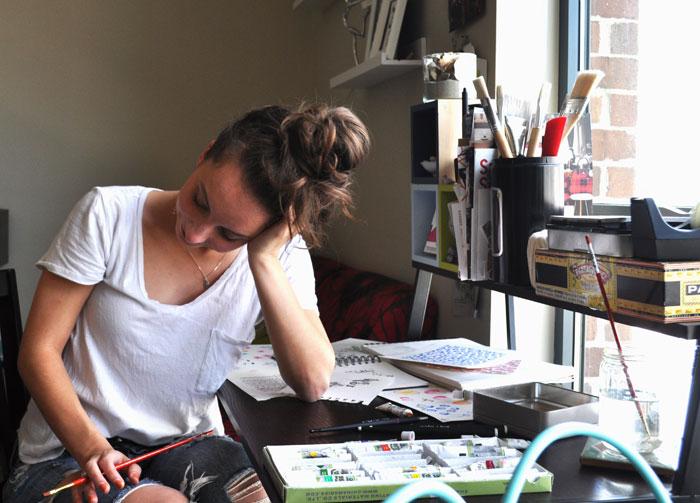 AMANDA  IS  A GRAPHIC DESIGNER IN  BOSTON. -