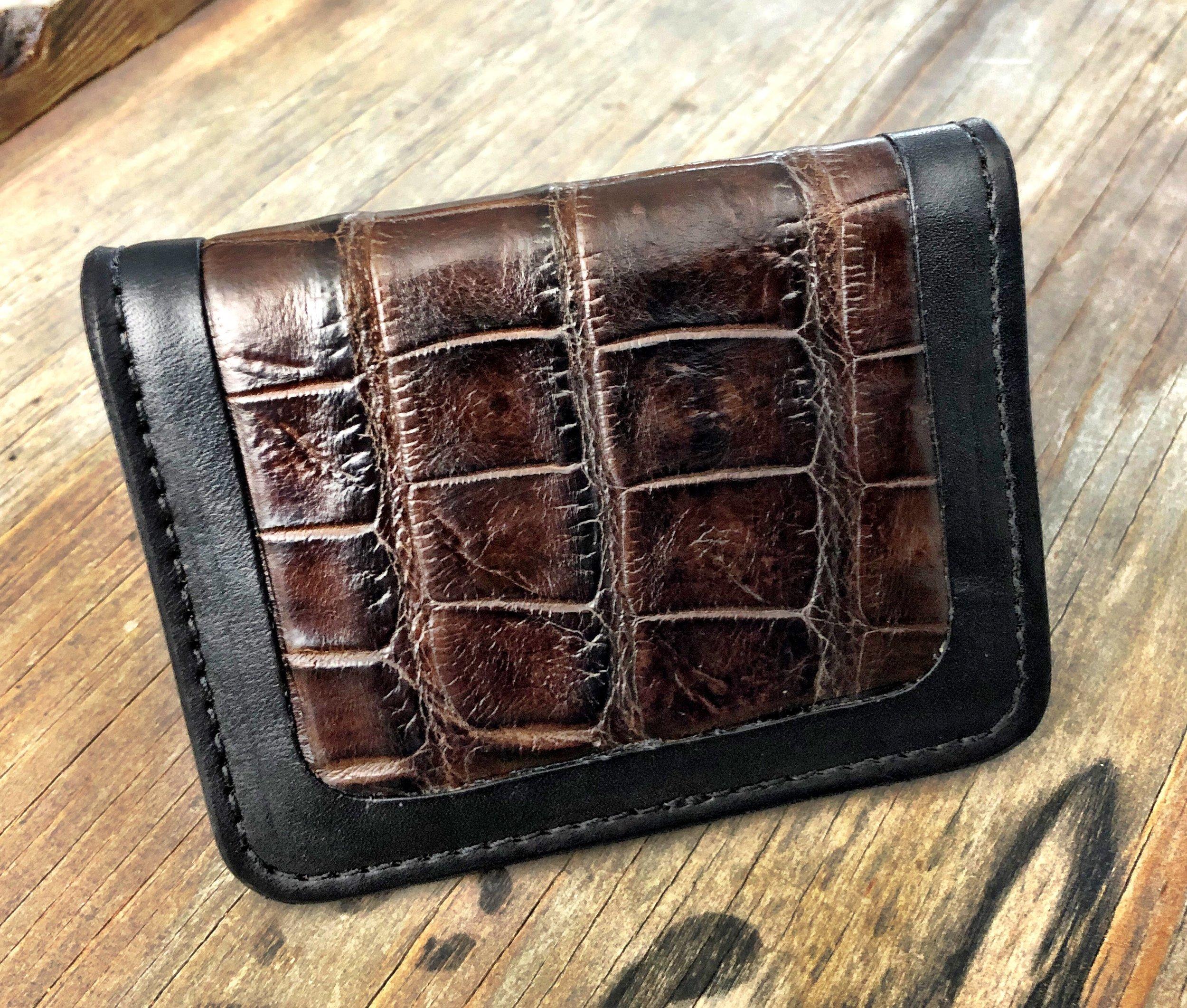 Alligator Inlaid Card Wallet.