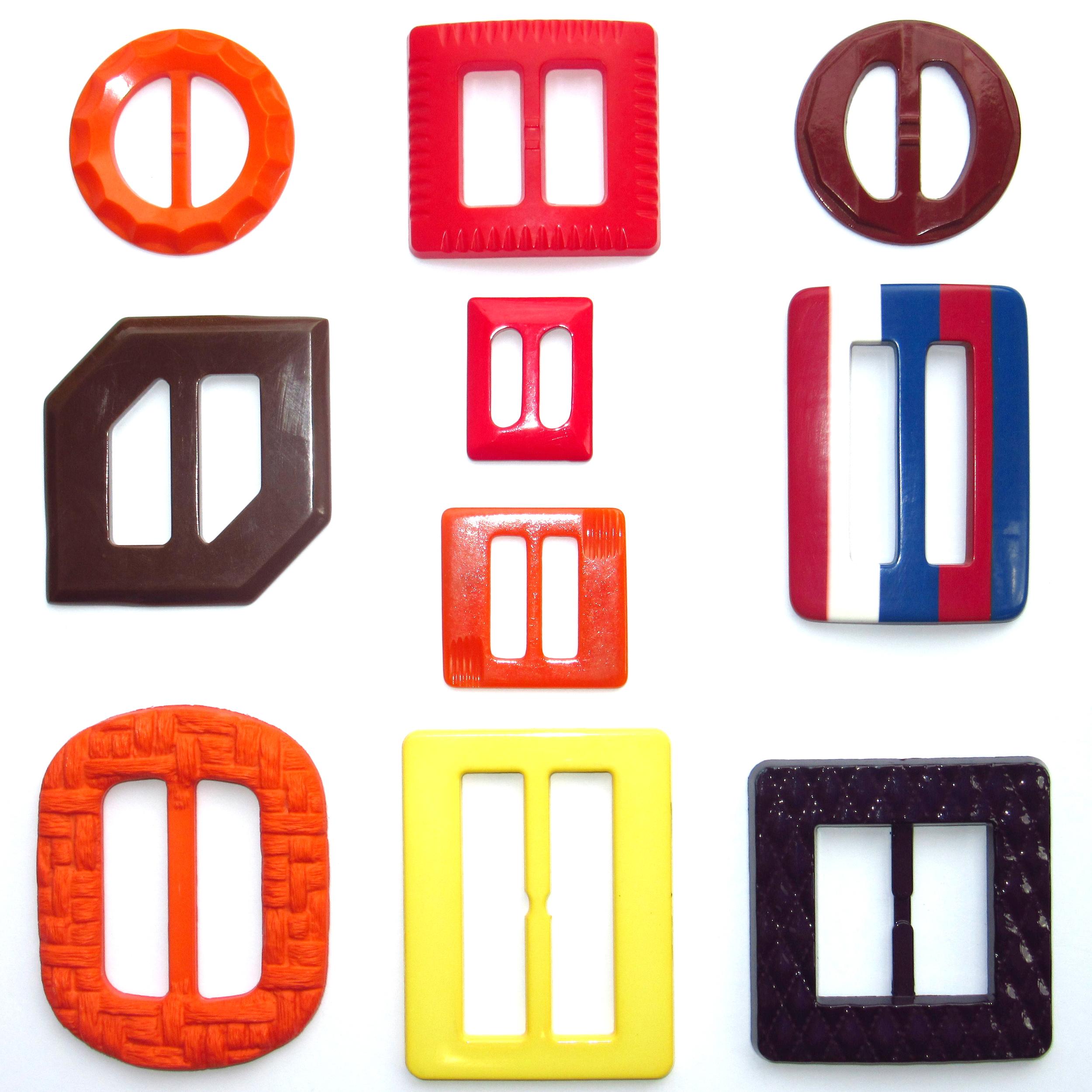Plastic multicolour belt buckles