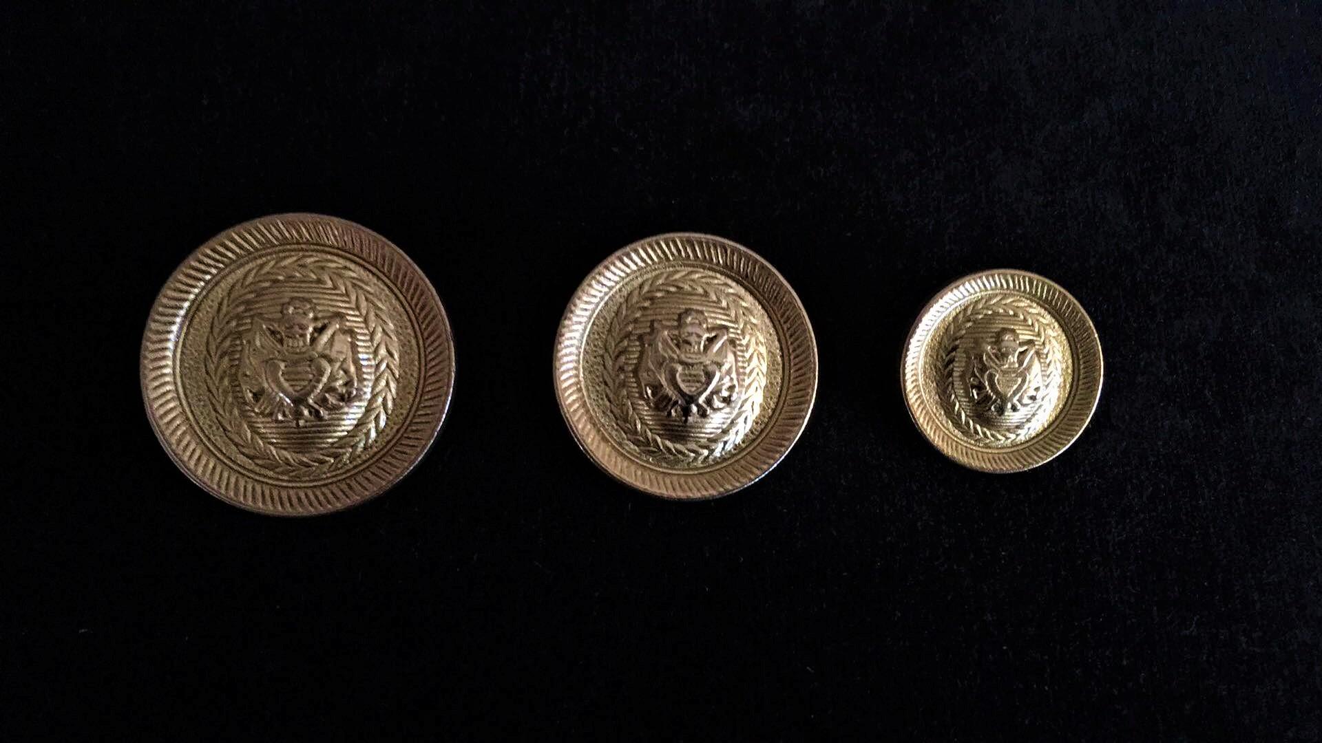 Boutons style Balmain en métal