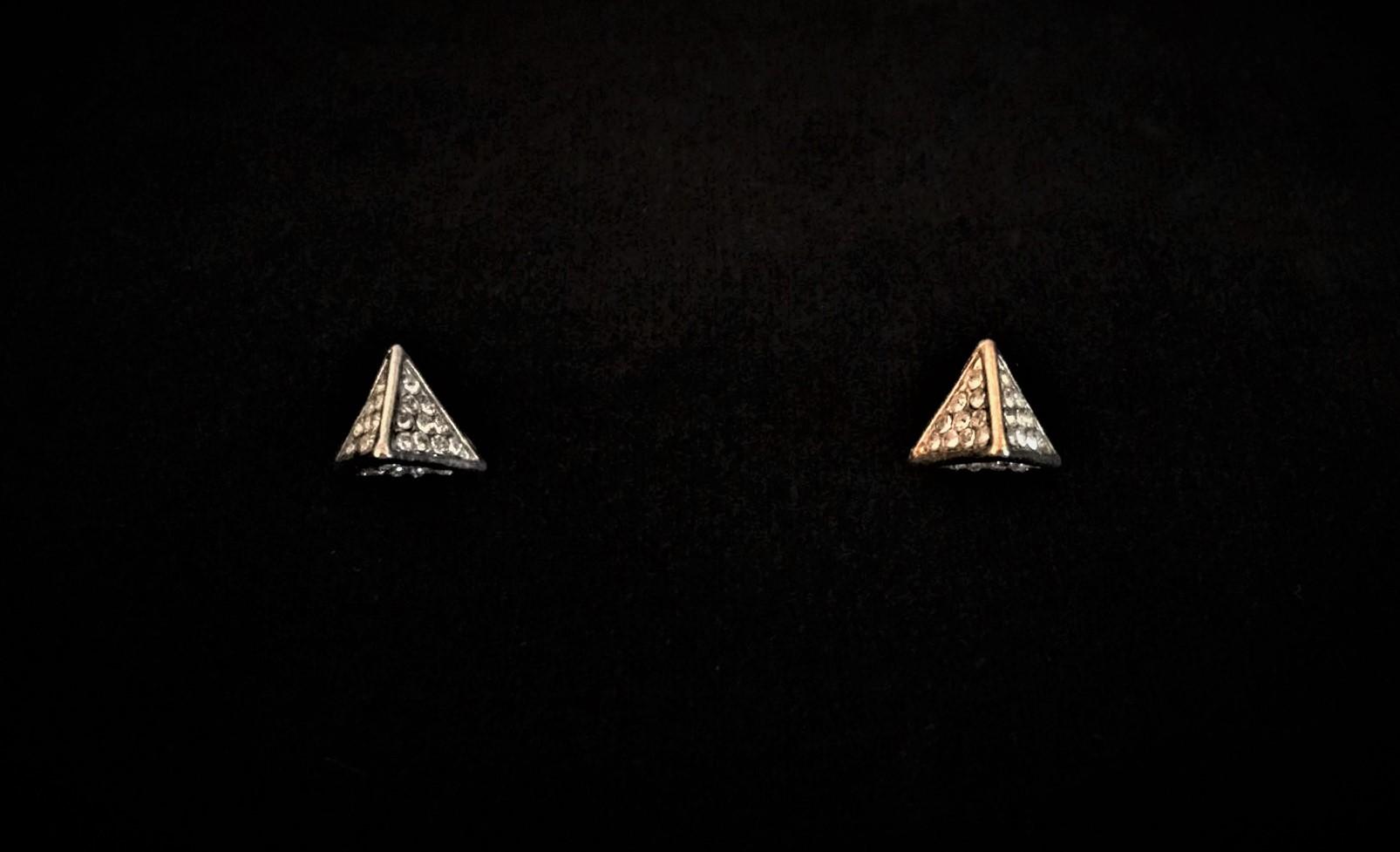 Rhinestone Pyramid Buttons