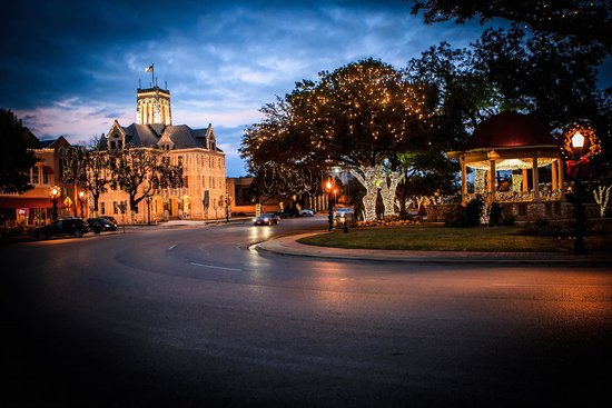 downtown-new-braunfels.jpg