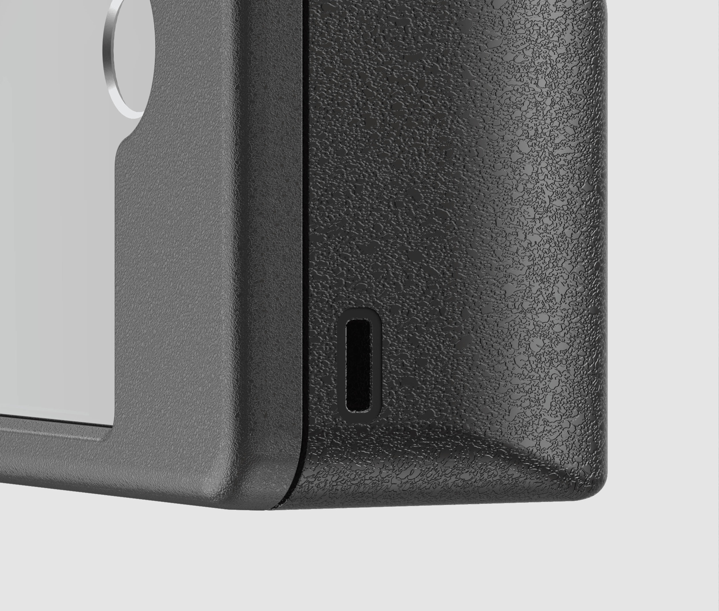The case has built-in battery so it can charge the lens on the go.
