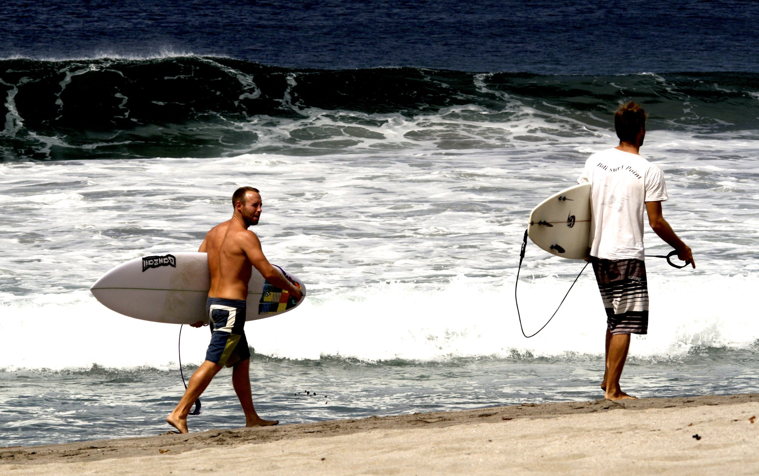 Best Surf Coach. Surf coach. Surf Lessons. Learning to surf. Surf Instructor. Surfing School.