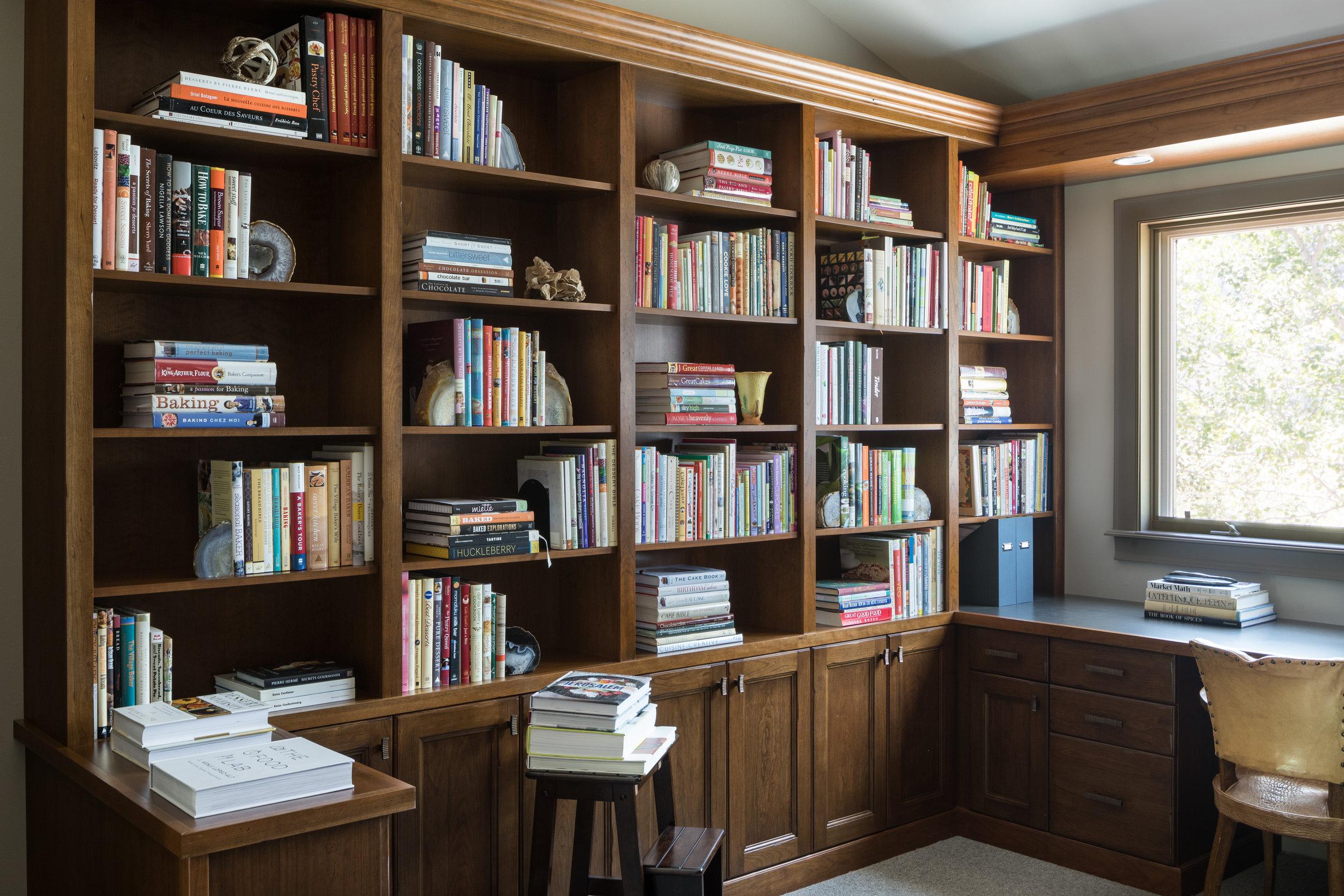 cookbooklibrary.jpg