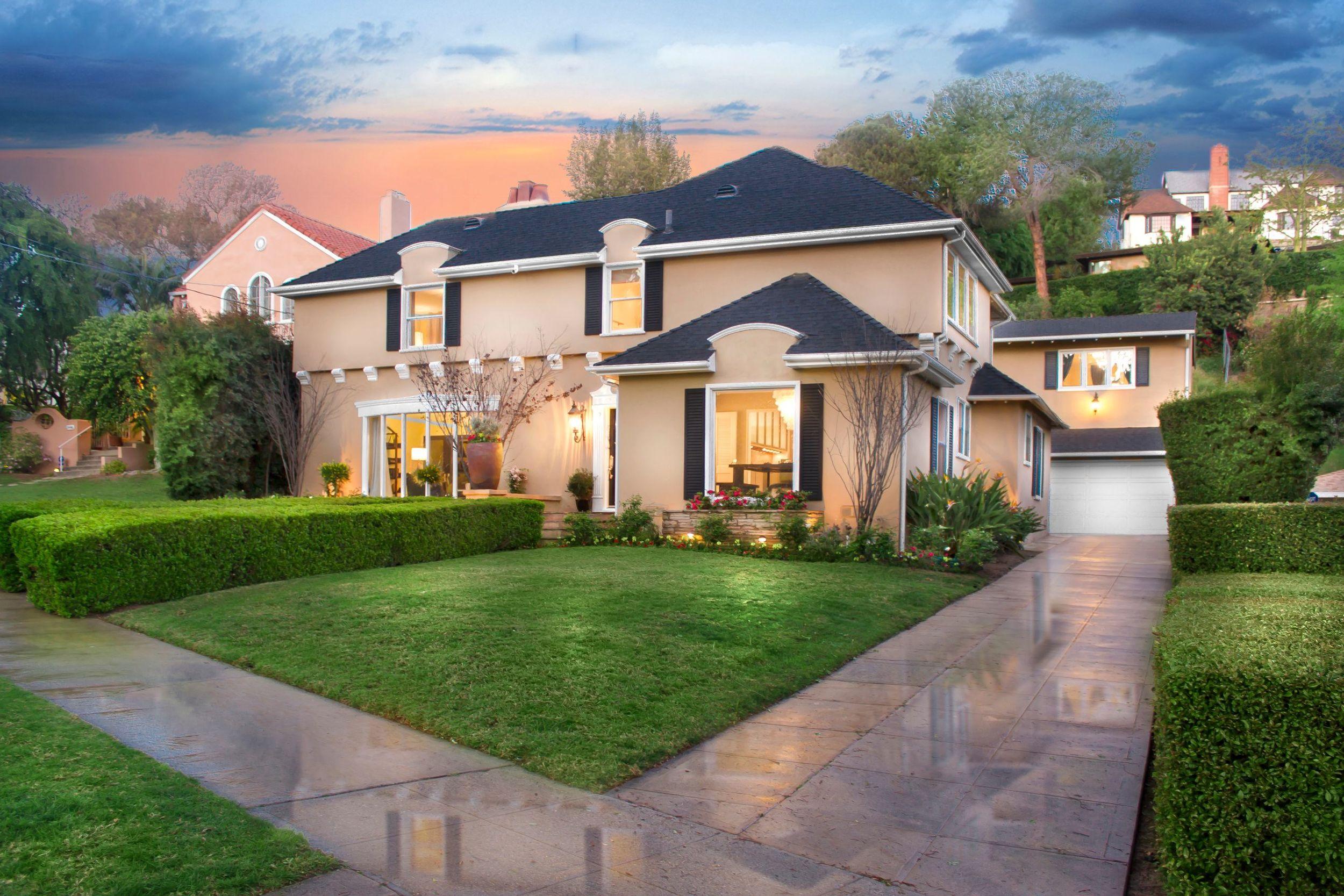 LOS FELIZ  2436 North Commonwealth Avenue