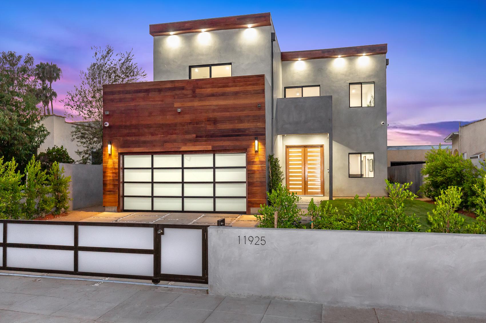 LOS ANGELES  11925 Ayres Avenue