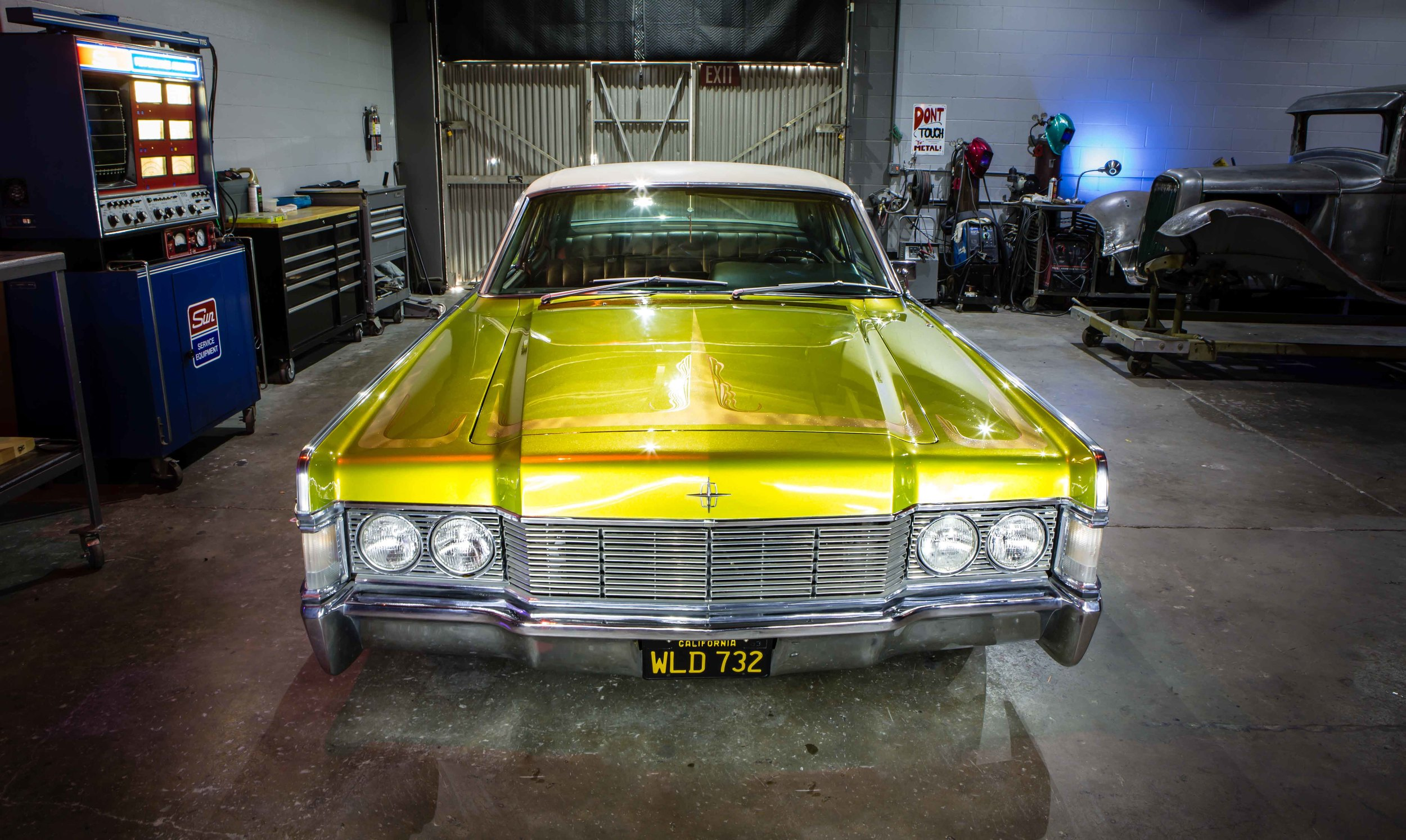 Anaheim Rod and Custom 68 Lincoln Continental -17.jpg