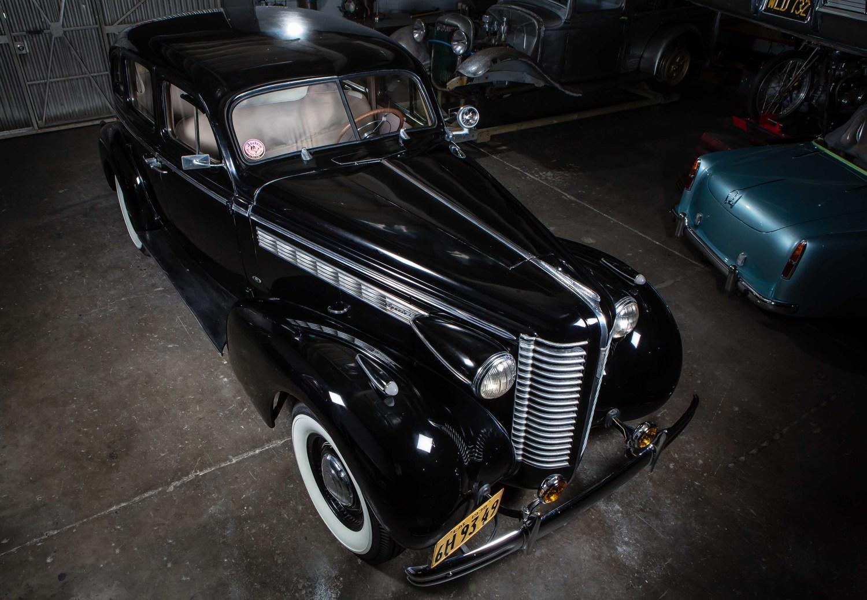 Anaheim+Rod+and+Custom+1938+Buick+Special+Studio-9.jpg