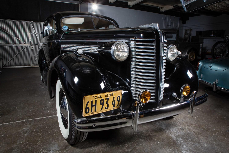 Anaheim+Rod+and+Custom+1938+Buick+Special+Studio-12.jpg