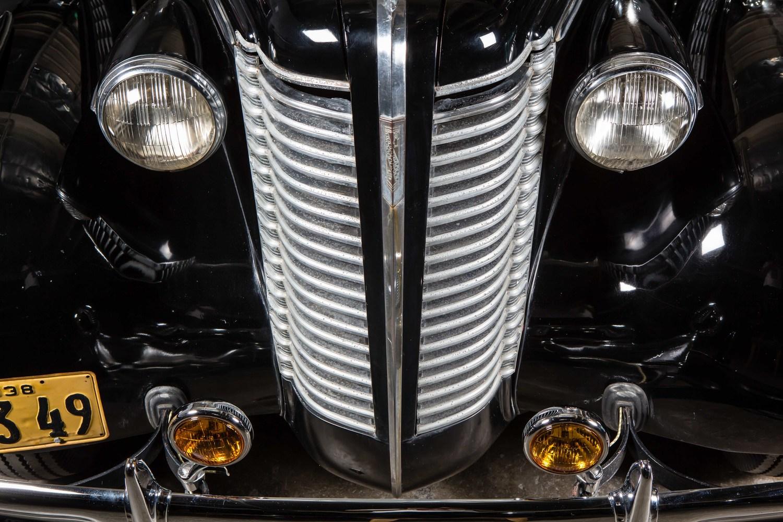 Anaheim+Rod+and+Custom+1938+Buick+Special+Studio-13.jpg