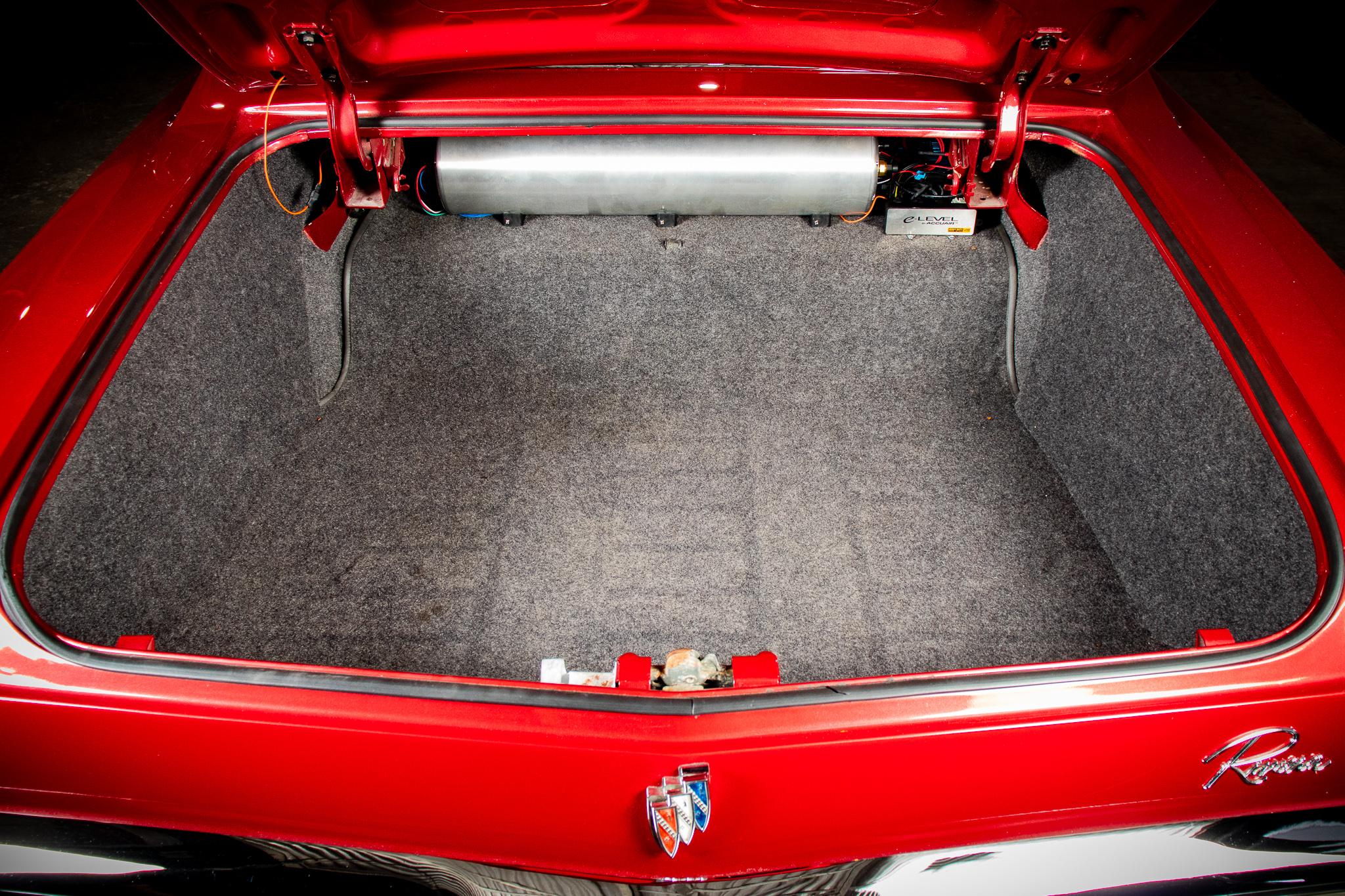 1965 Buick Riviera LoRez 138.jpg