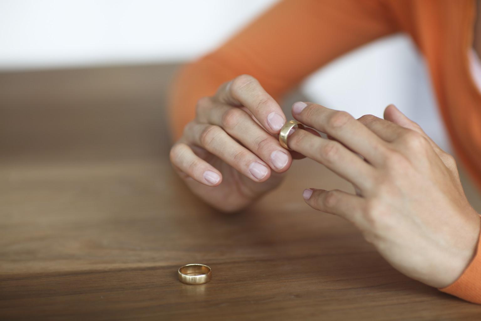o-DIVORCED-WOMEN-facebook.jpg