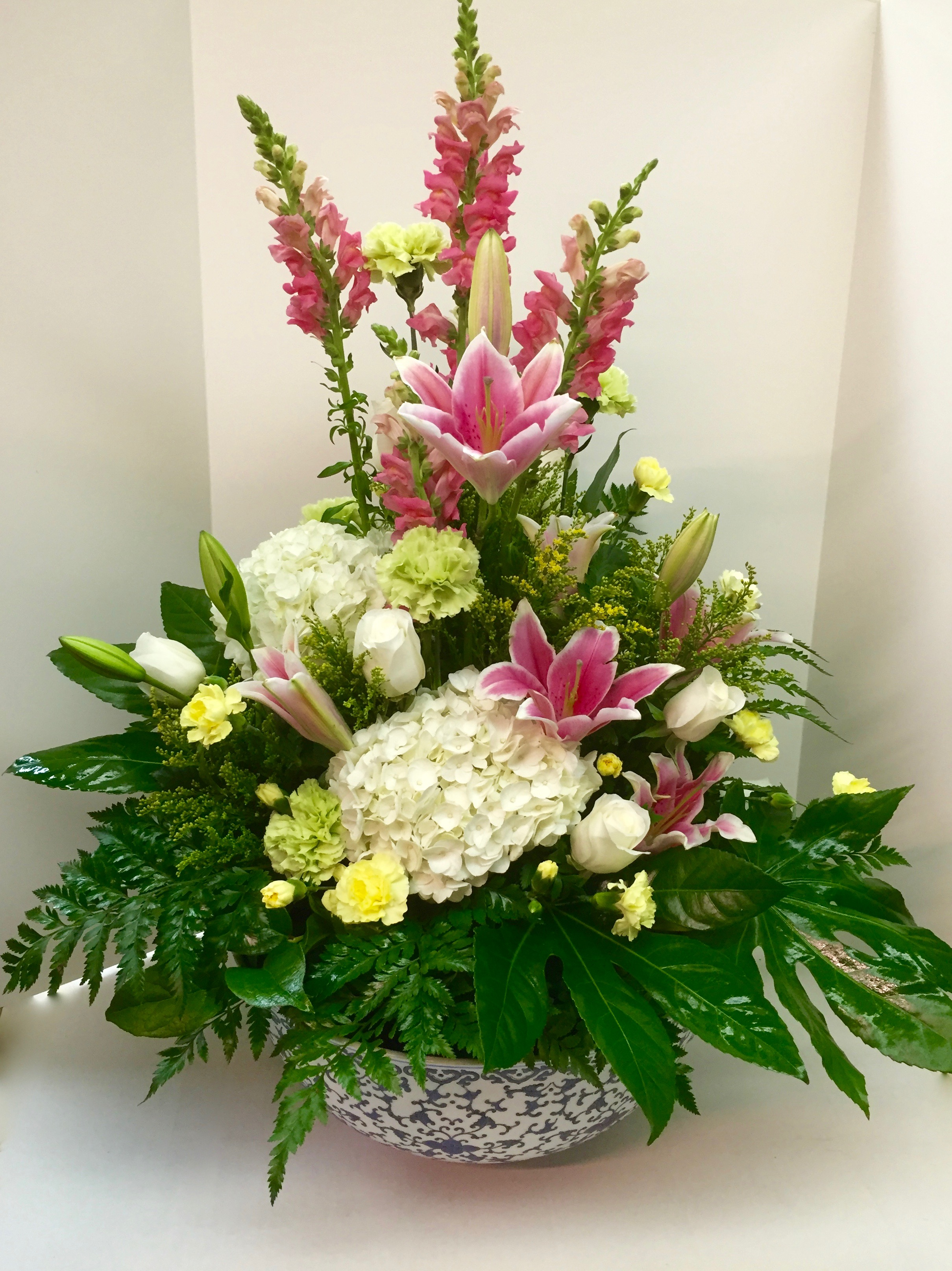 Tower of Lily Bouquet (TVB-19)