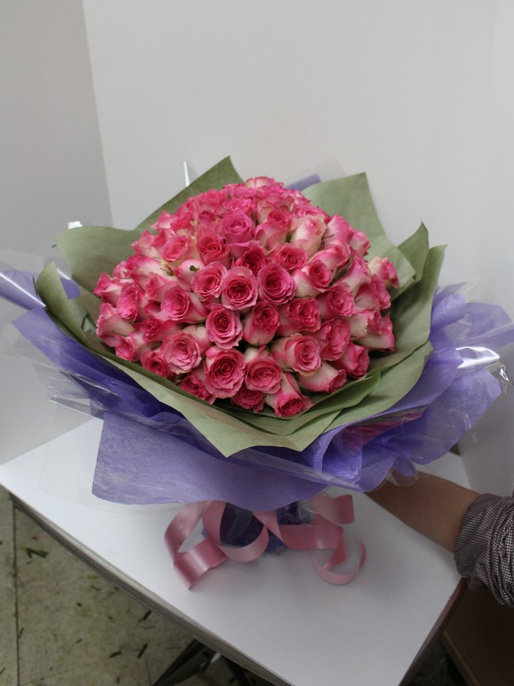 99 Pink Roses