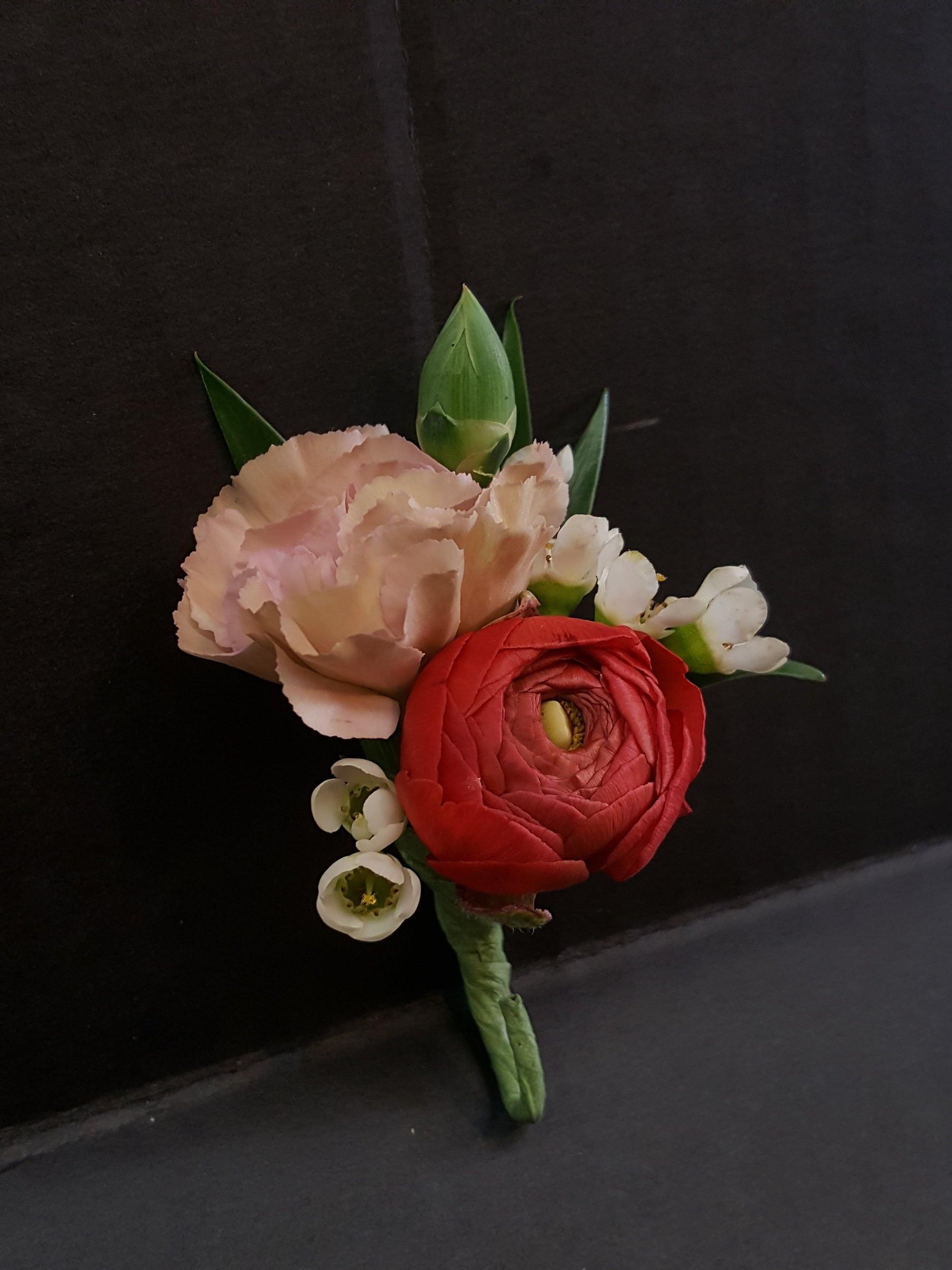 Red Ranunculus & Vintage Pink