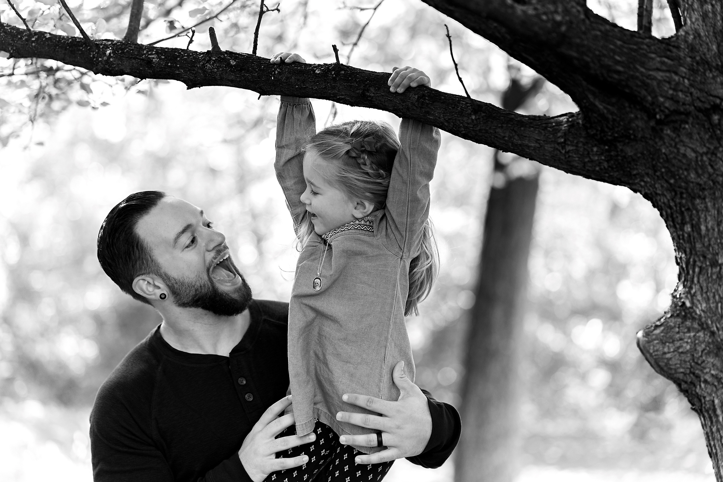 CIncinnati Candid Black White Family Photography.jpg