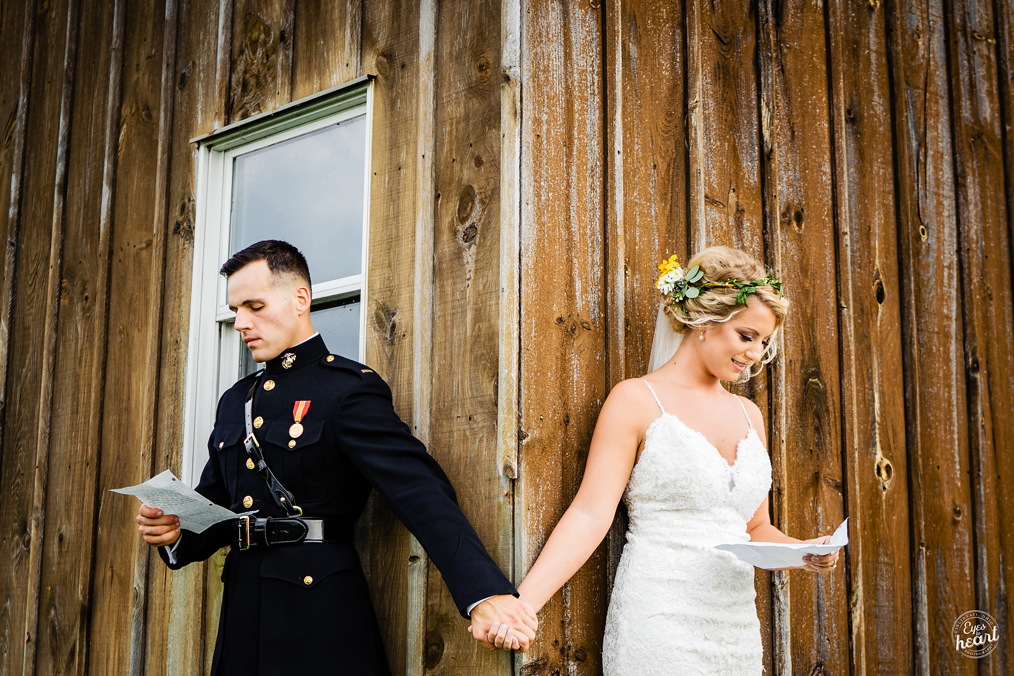 Cincinnati-Wedding-Photographers-Hughes-Center-Barn-9.jpg
