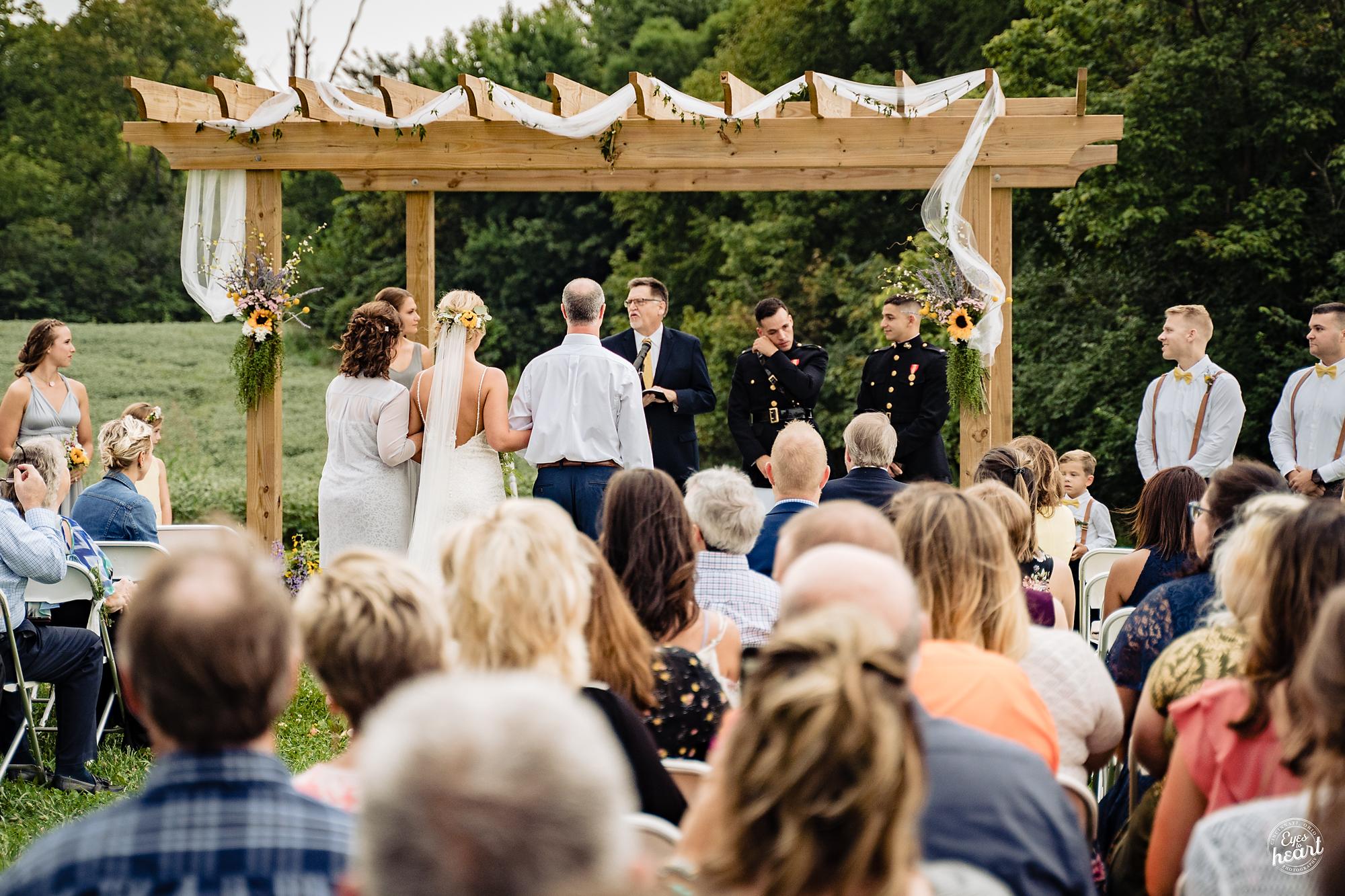 Cincinnati-Wedding-Photographers-Hughes-Center-Barn-31.jpg