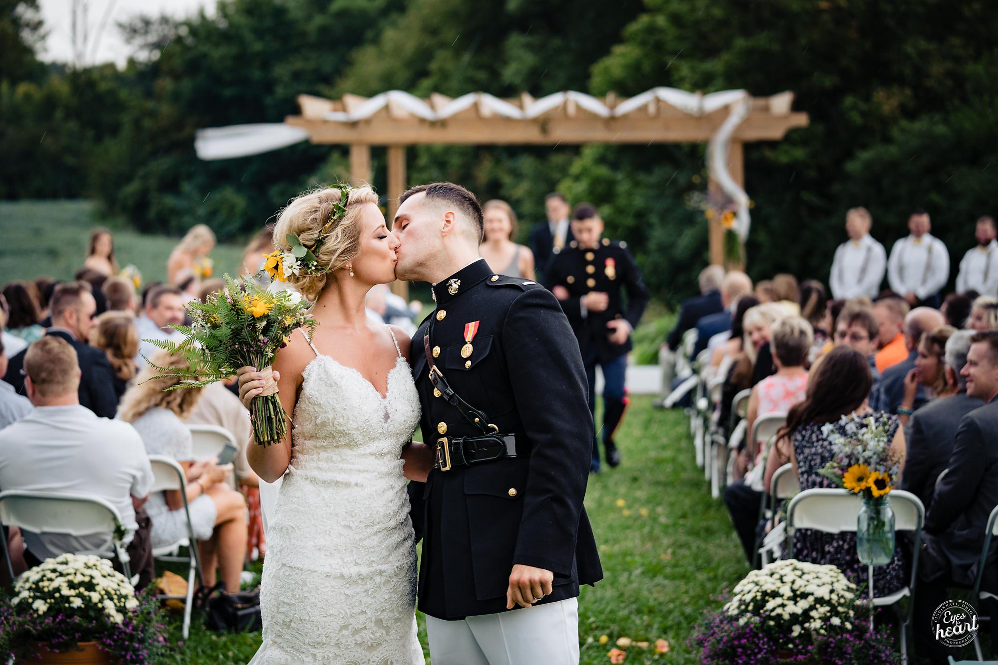 Cincinnati-Wedding-Photographers-Hughes-Center-Barn-15.jpg