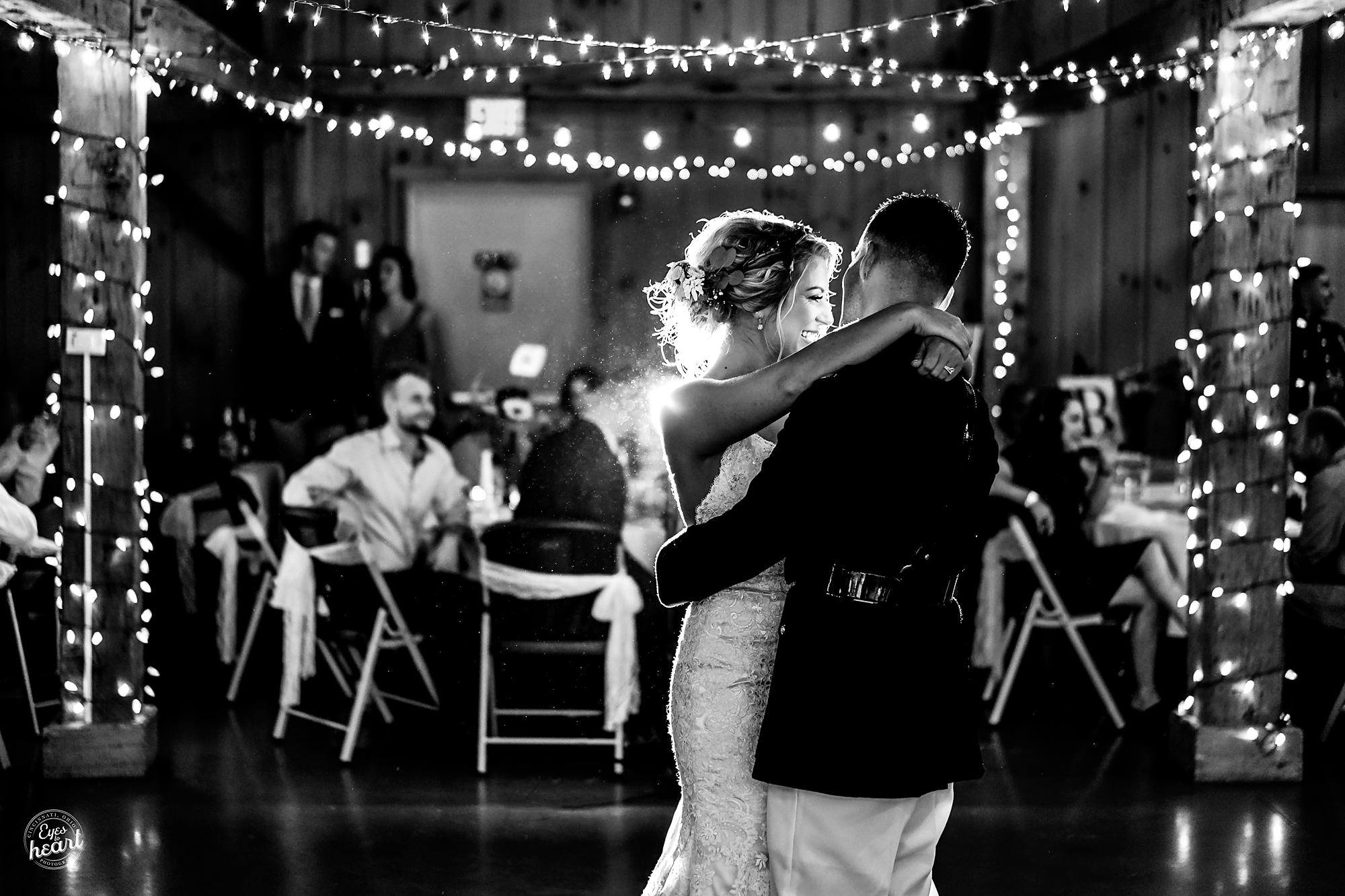 Cincinnati-Wedding-Photographers-Hughes-Center-Barn-24.jpg