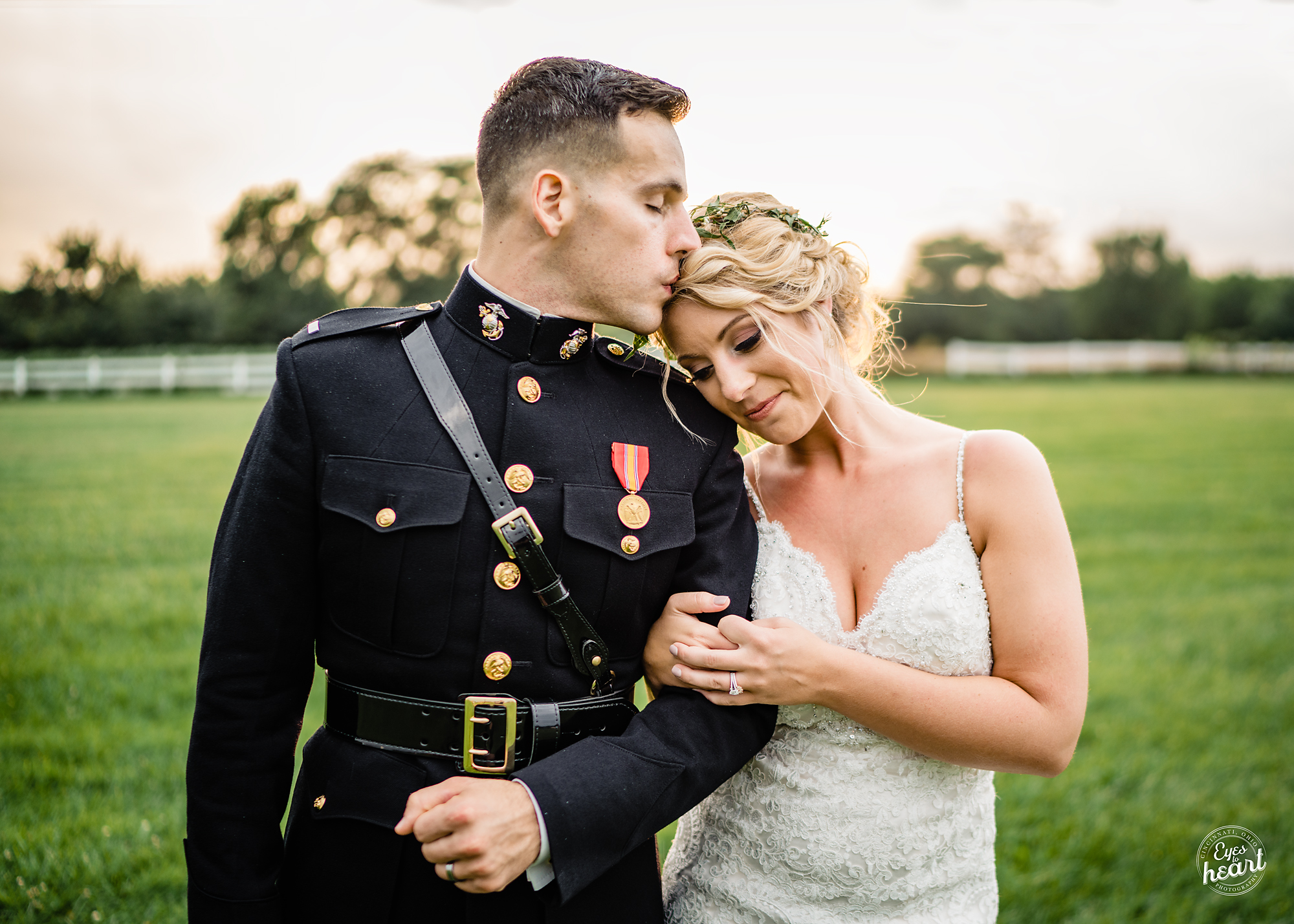 Cincinnati-Wedding-Photographers-Hughes-Center-Barn-20.jpg