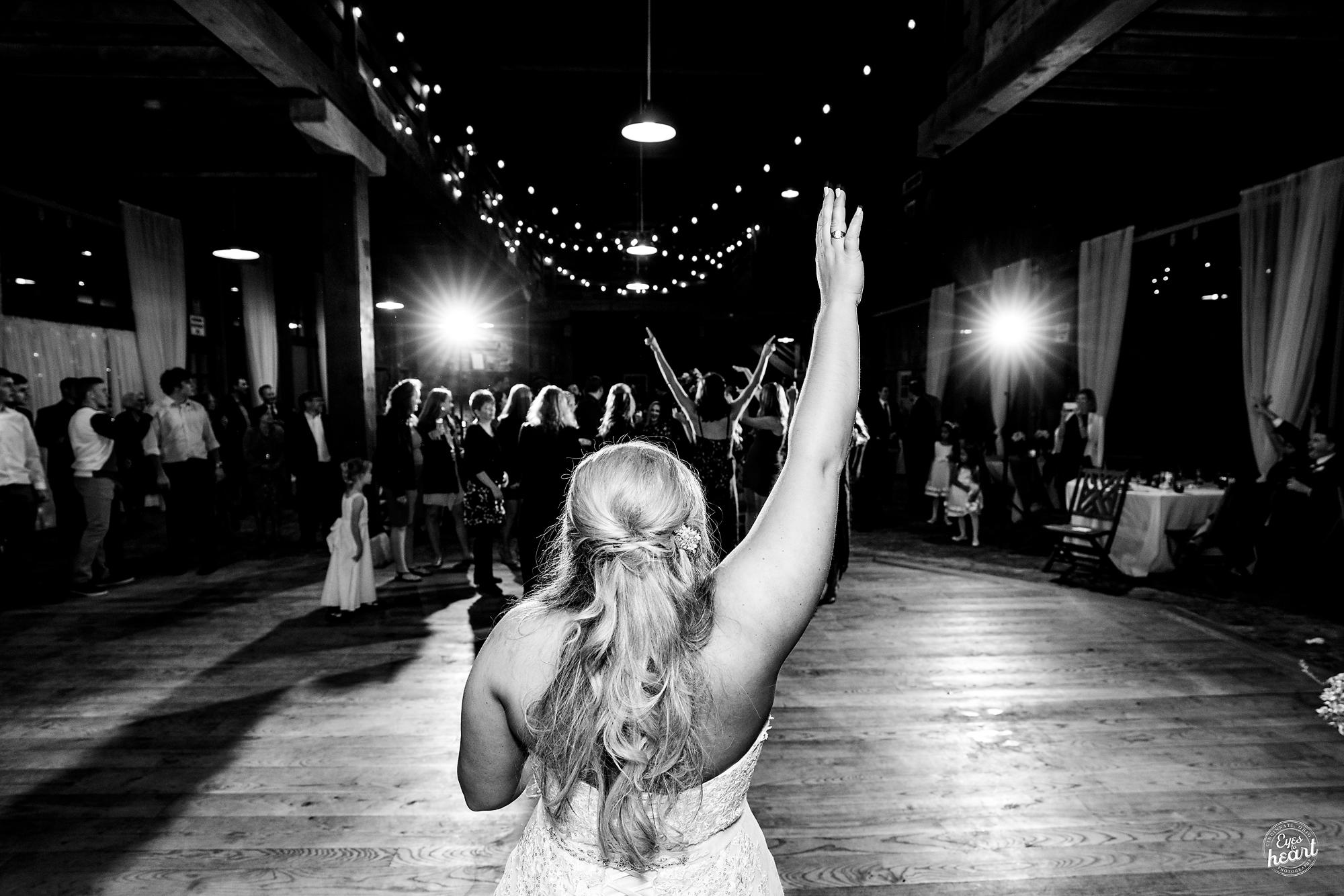 Carriage-Hill-Liberty-Twp-OH-Wedding-Photographer-12.jpg