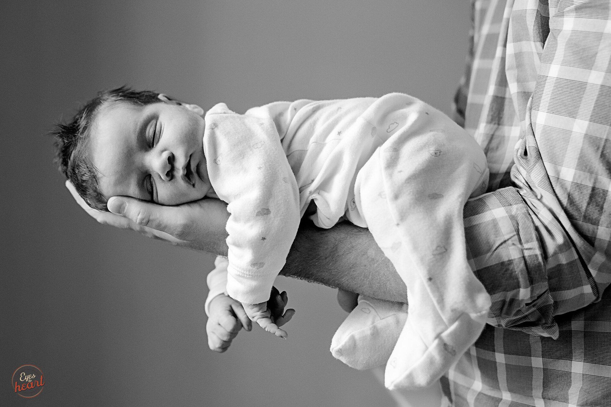 Cincinnati-Newborn-Photographer.jpg