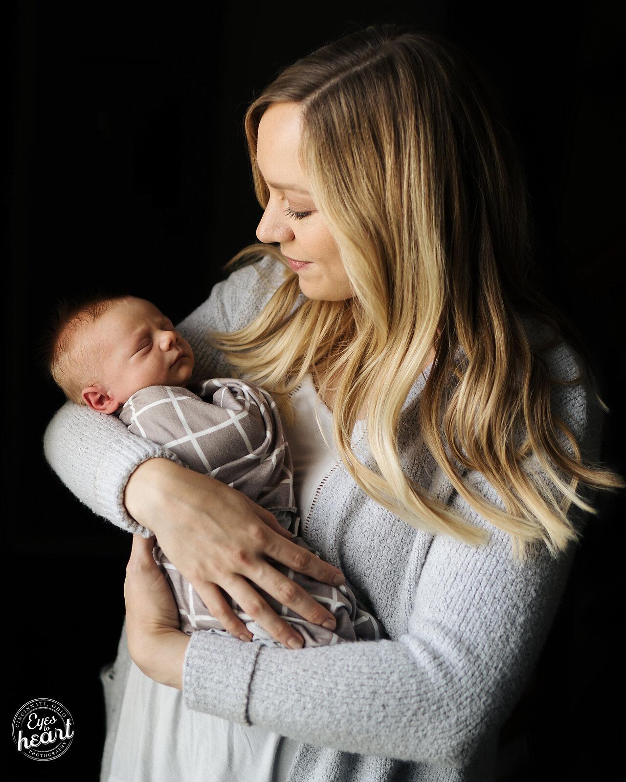 CIncinnati-Newborn-Photographer-6.jpg