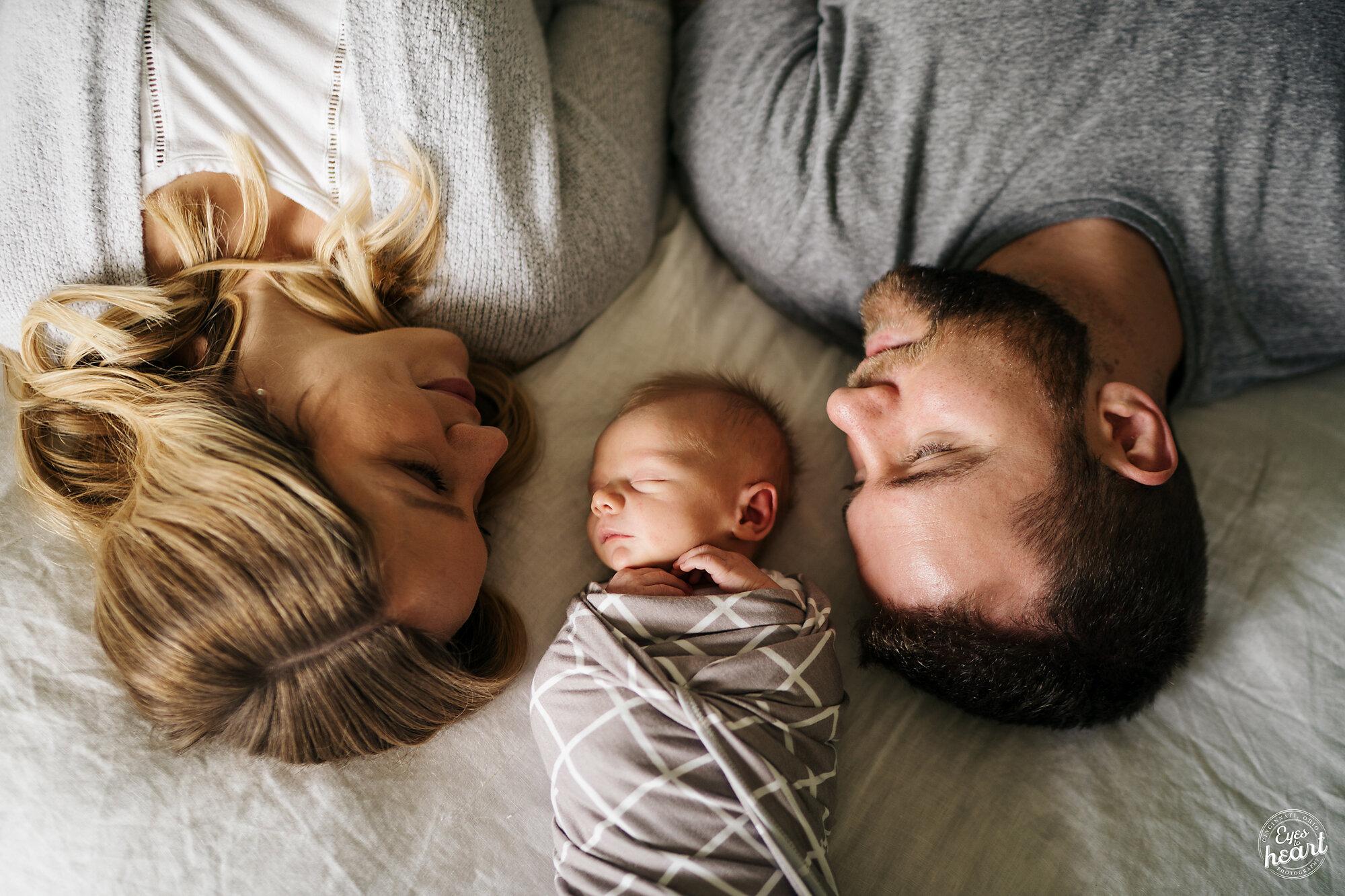 CIncinnati-Newborn-Photographer-2.jpg