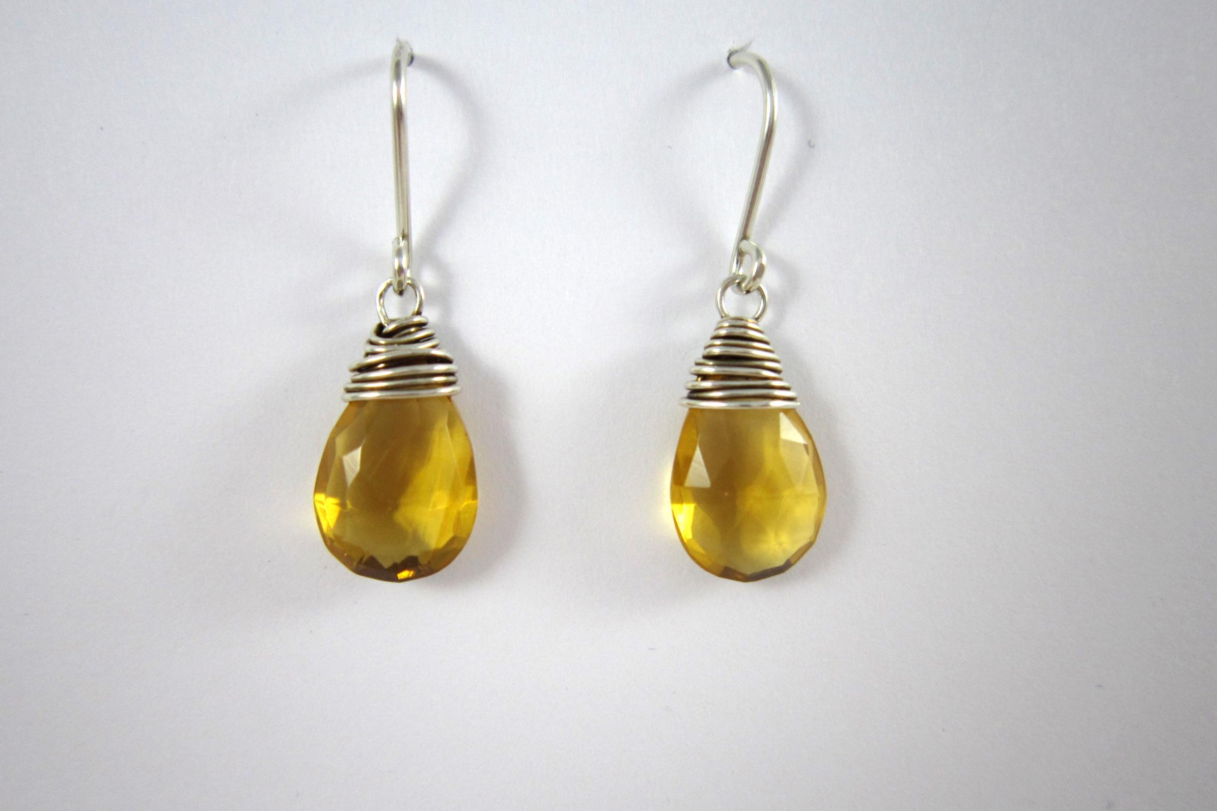 Zilveren oorbellen met citrien.