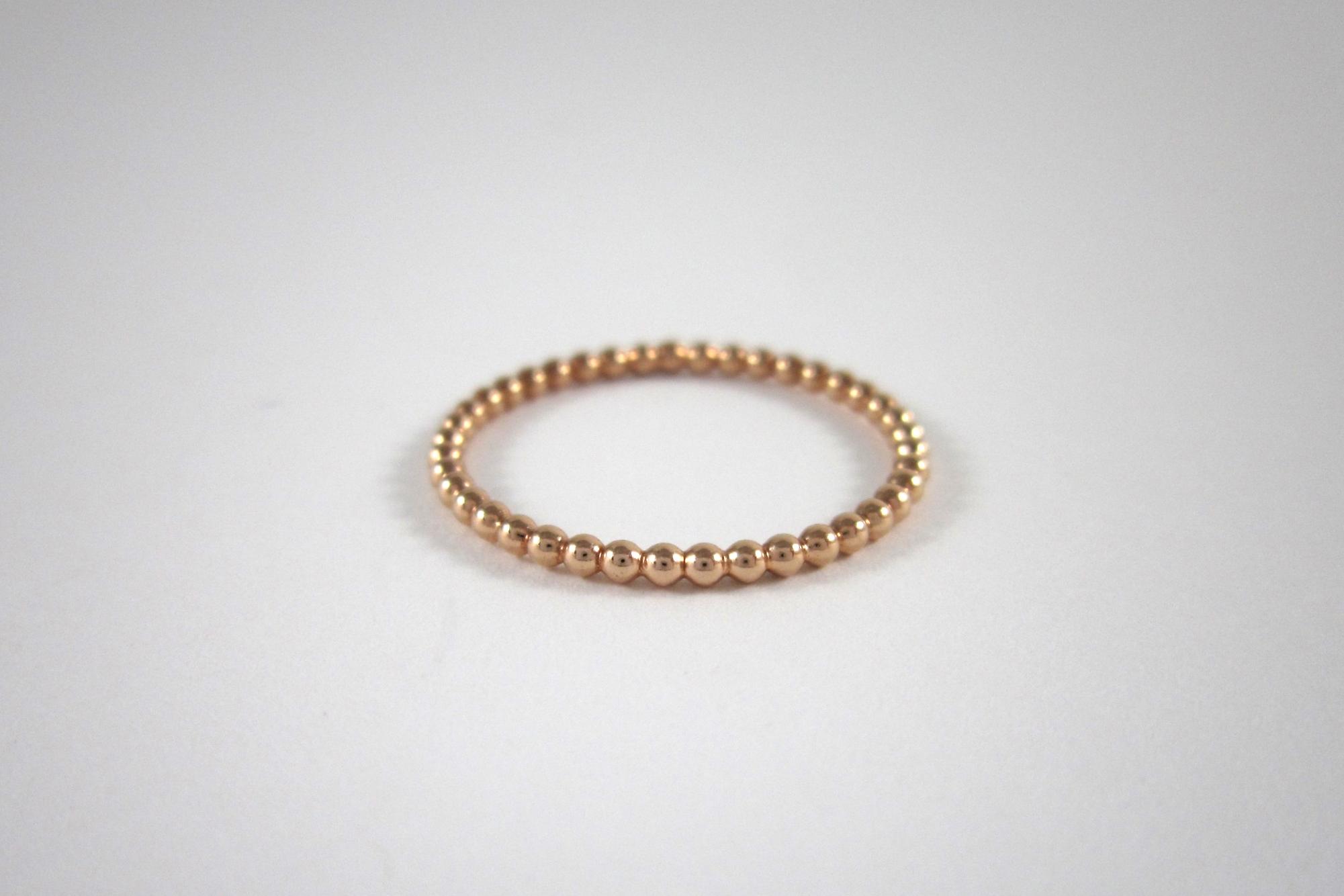Rosé gouden pareldraad ring.