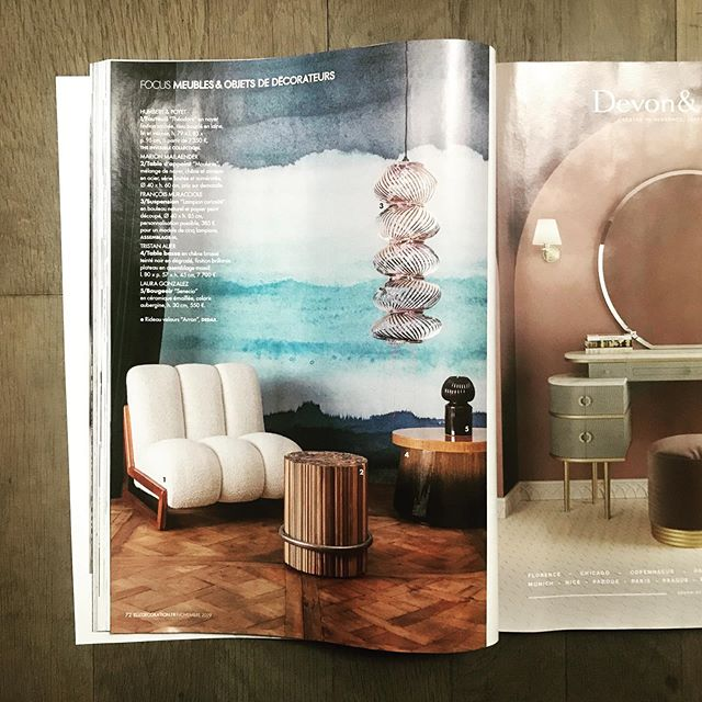 Merci @elledecorationfr 😊 www.assemblage-m.com #design #luminaire #parution #decoration #architecture #lampion #suspension #lumiere #madefrance #faitaparis #ruedesmartyrs #papier #papierpeint #graphique #nouveaute