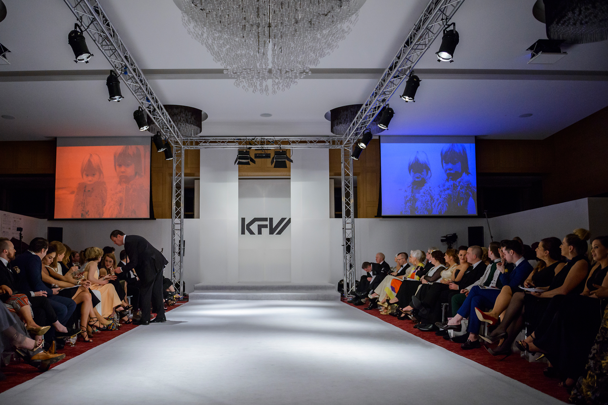 Guests get ready for KFW Show in the Europe Hotel & Resort, Killarney. (Pix: Pawel Nowak)