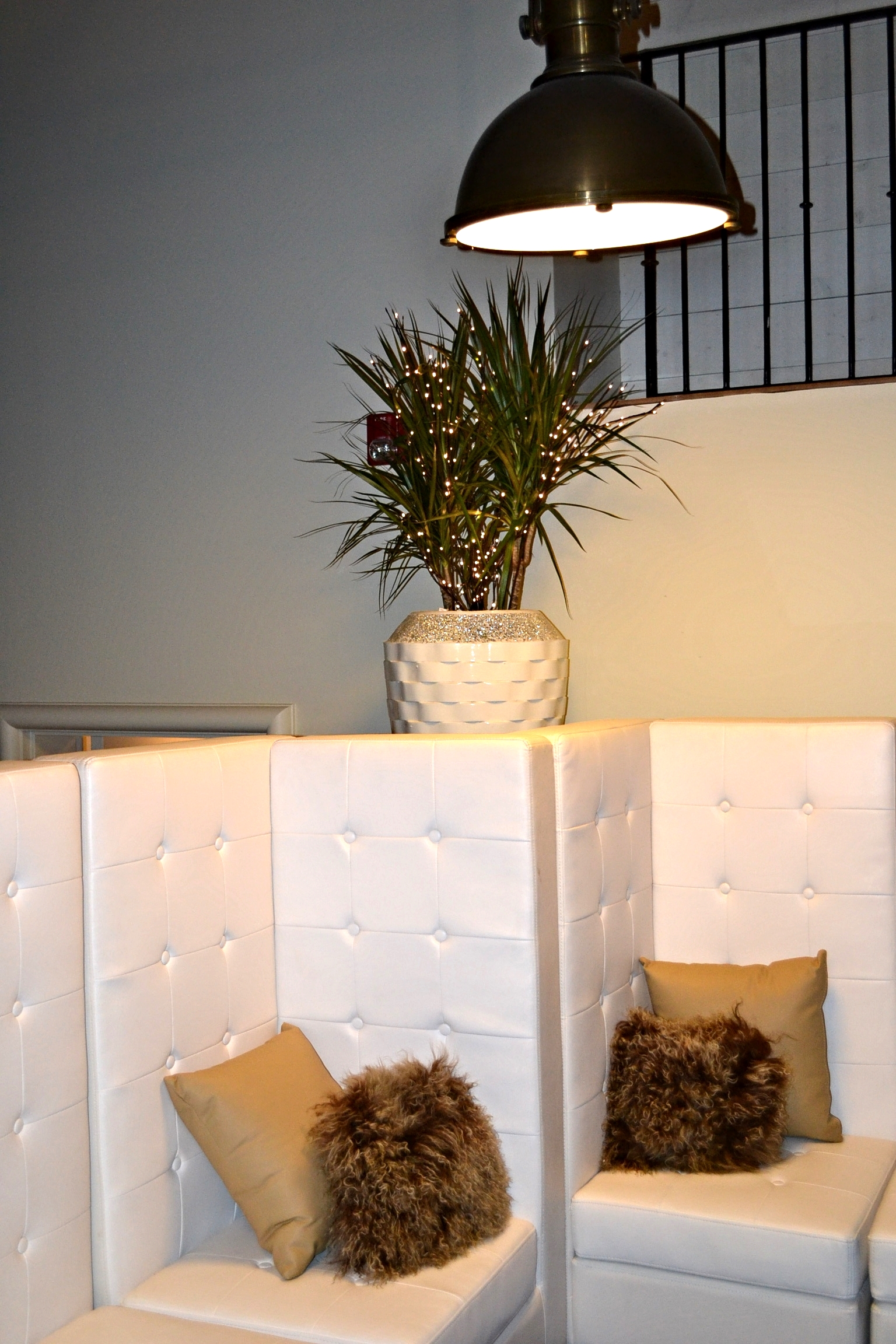 Modern White Leather Furniture