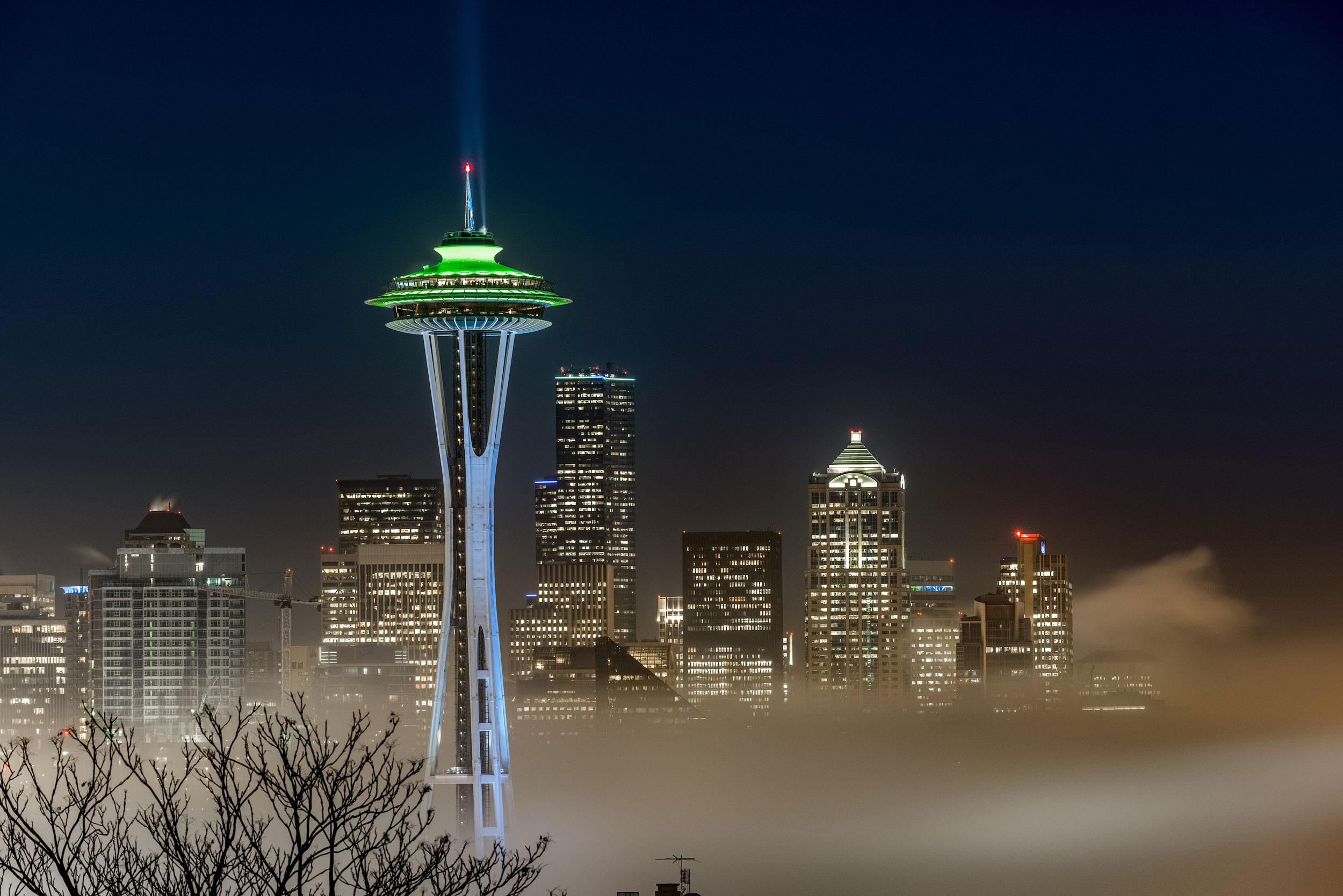 Seattle Foggy Night