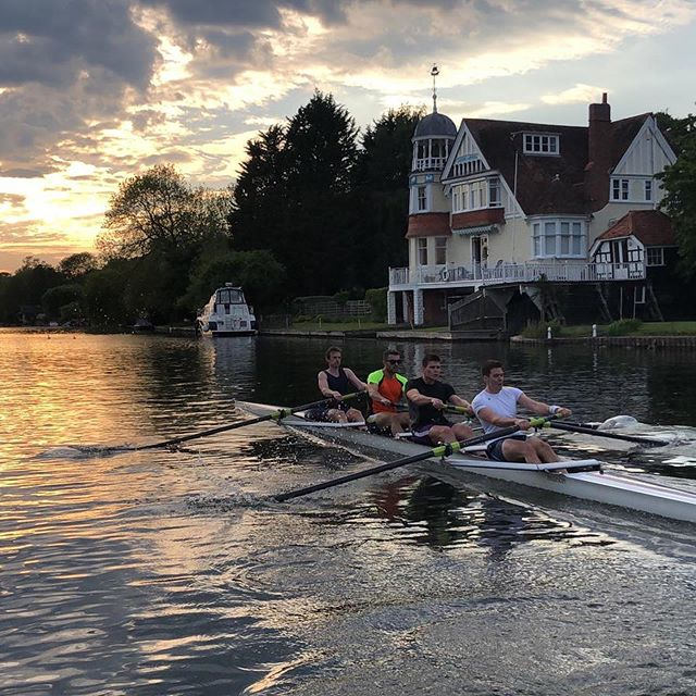 Wishing the best of luck to our Reading RC men's crews competing at Henley qualifiers! #rowing #henley #henleyroyalregatta #yeahreading #readingrc
