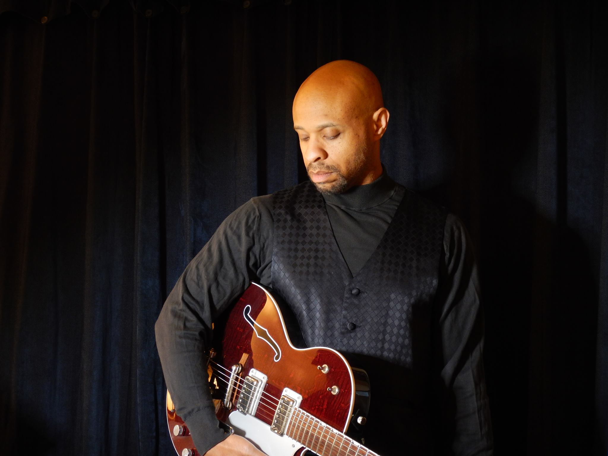 Luther Tyree - September 6thSolo smooth jazz / blues / pop guitarist