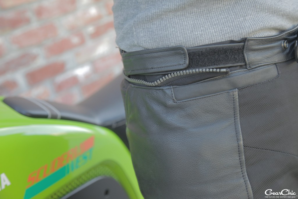 Gear 2 connection zipper and waist adjustment; wearing size 38