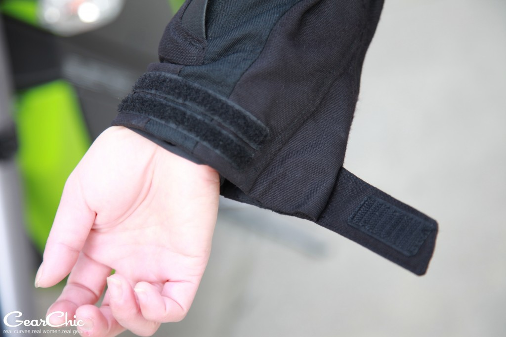 REVIT Legacy GTX jacket - velcro wrist adjusters