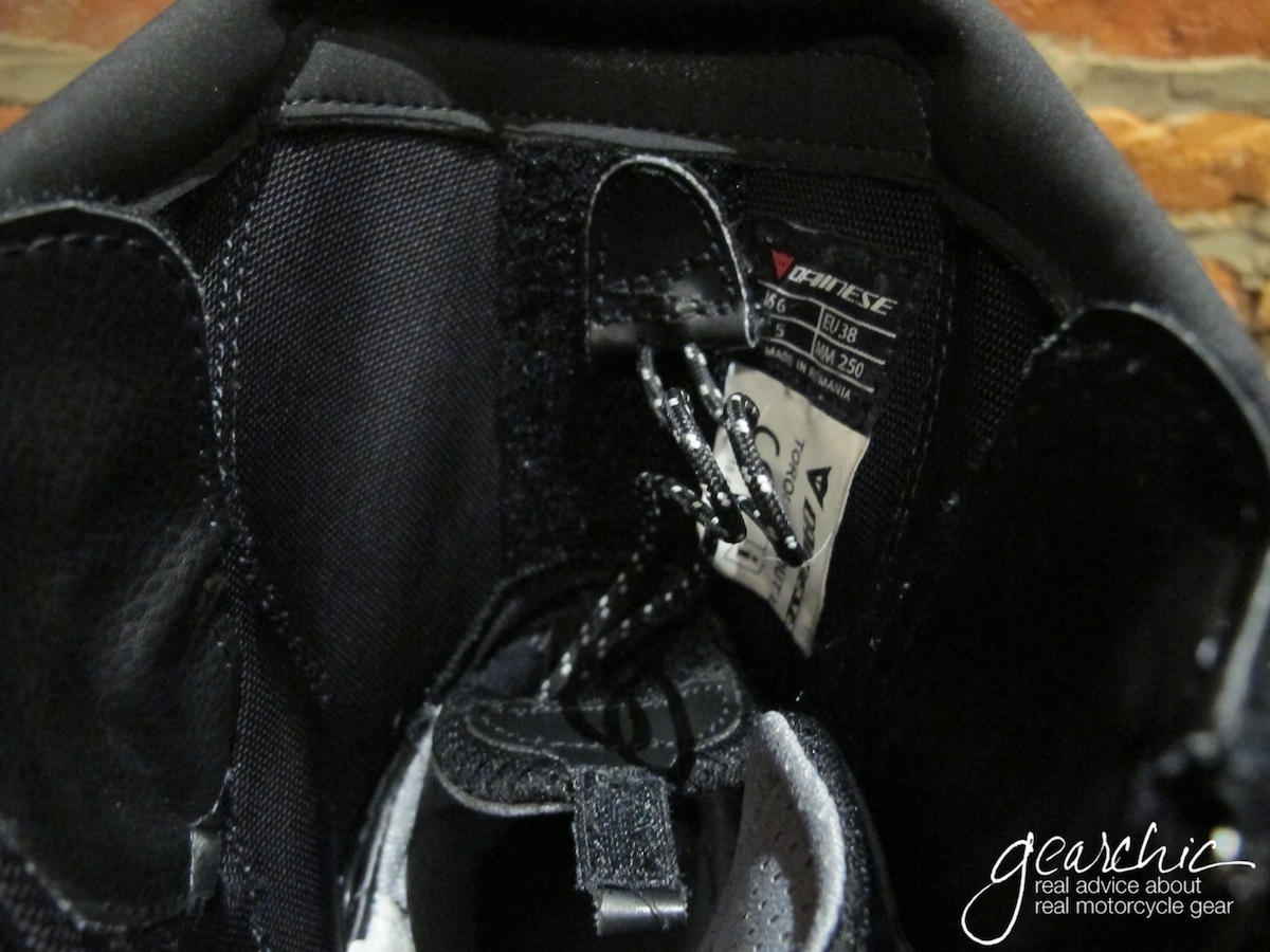 dainese_torque_d1_womens_boots_calves4.jpg