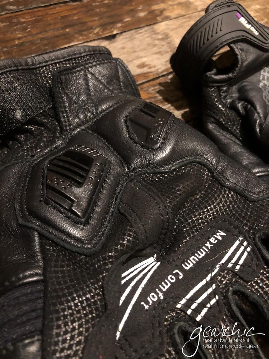 racer_guide_gloves2.jpg