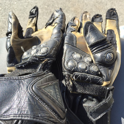 My previous pair of Racer gloves, crashed and slid on my hands but still reusable...